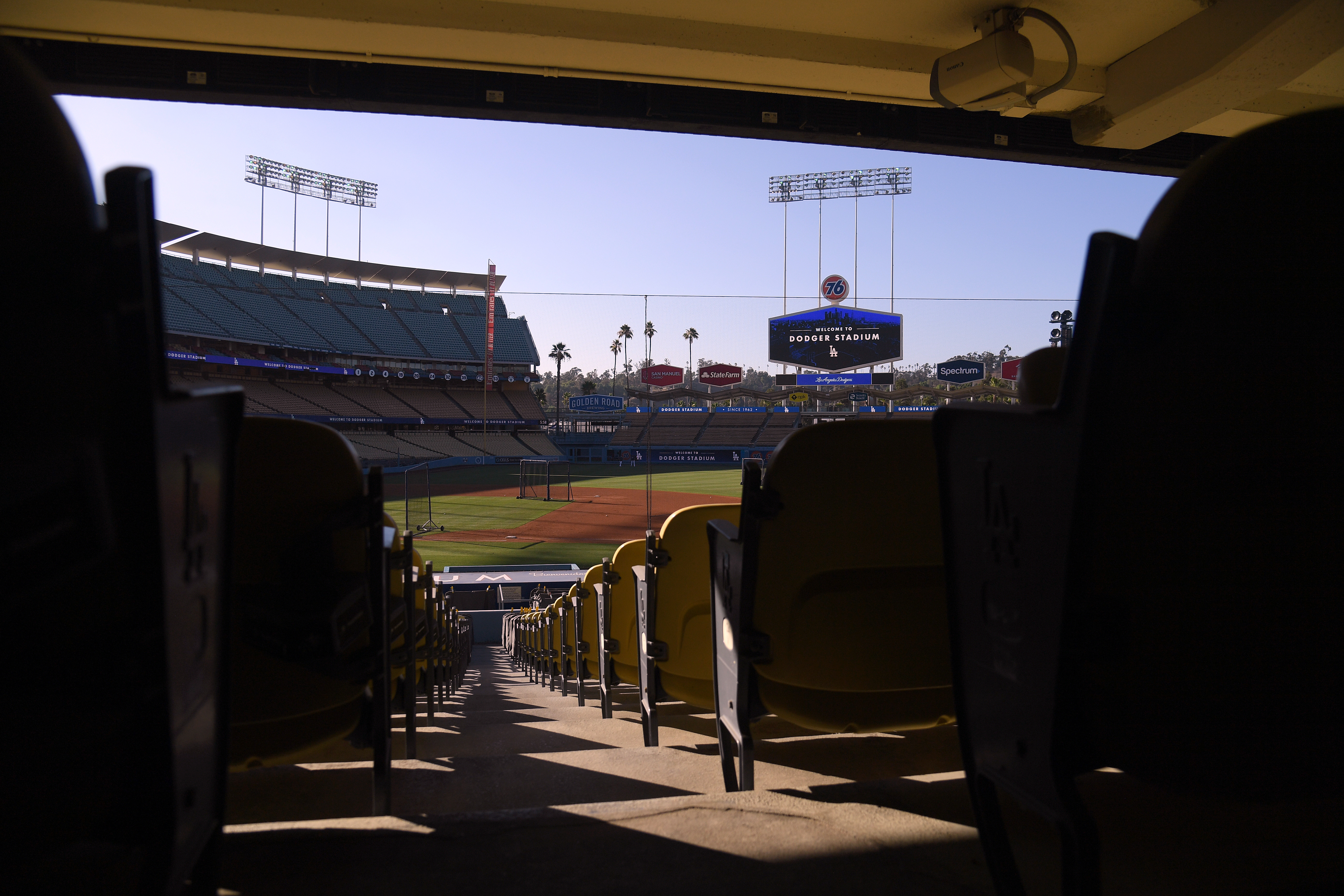 Picture of: Mlb Will Use Crowd Noise From Video Game During Season Ktla