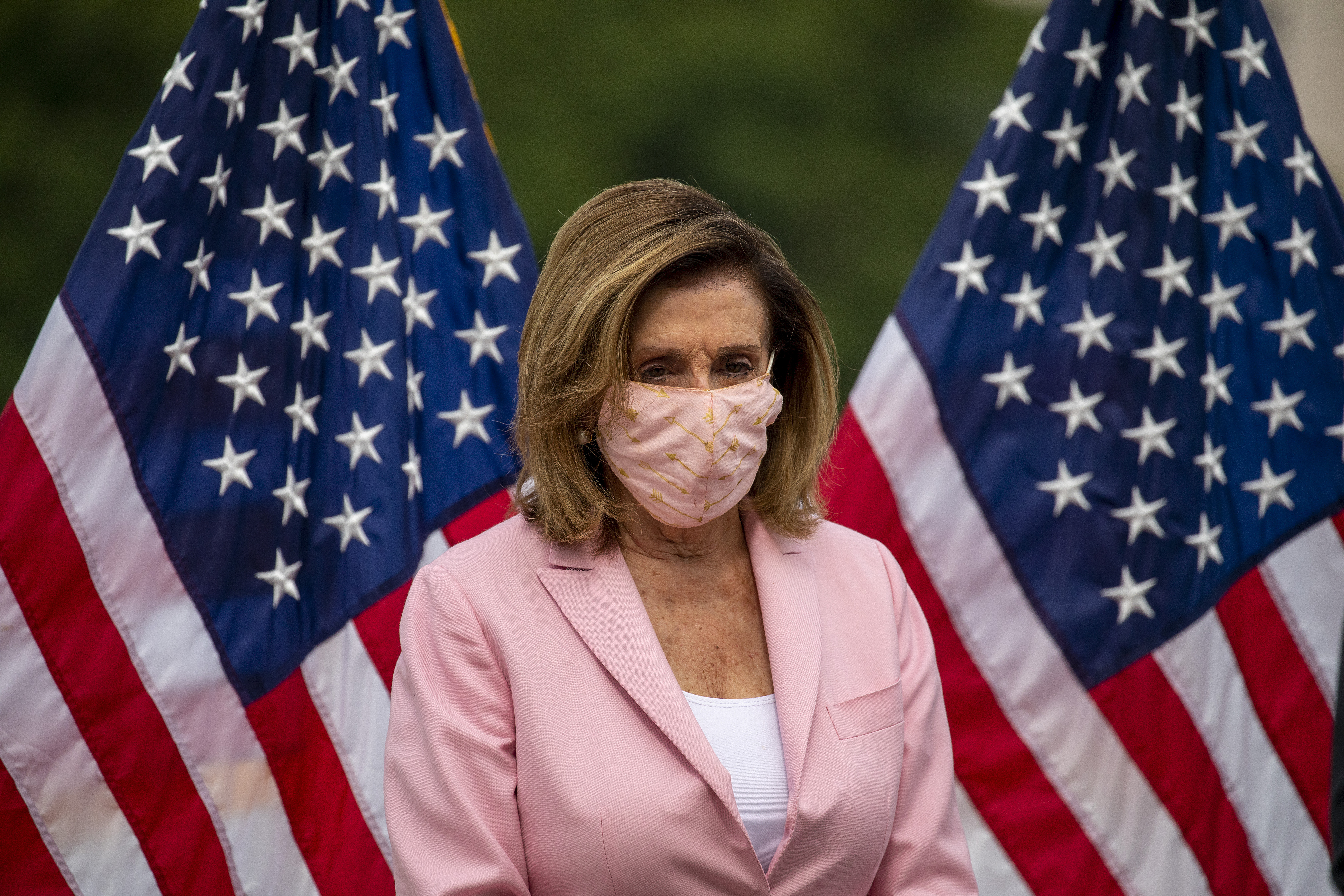 Pelosi Requires Masks To Be Worn In House Chamber After Member Tests Positive For Covid 19 Ktla