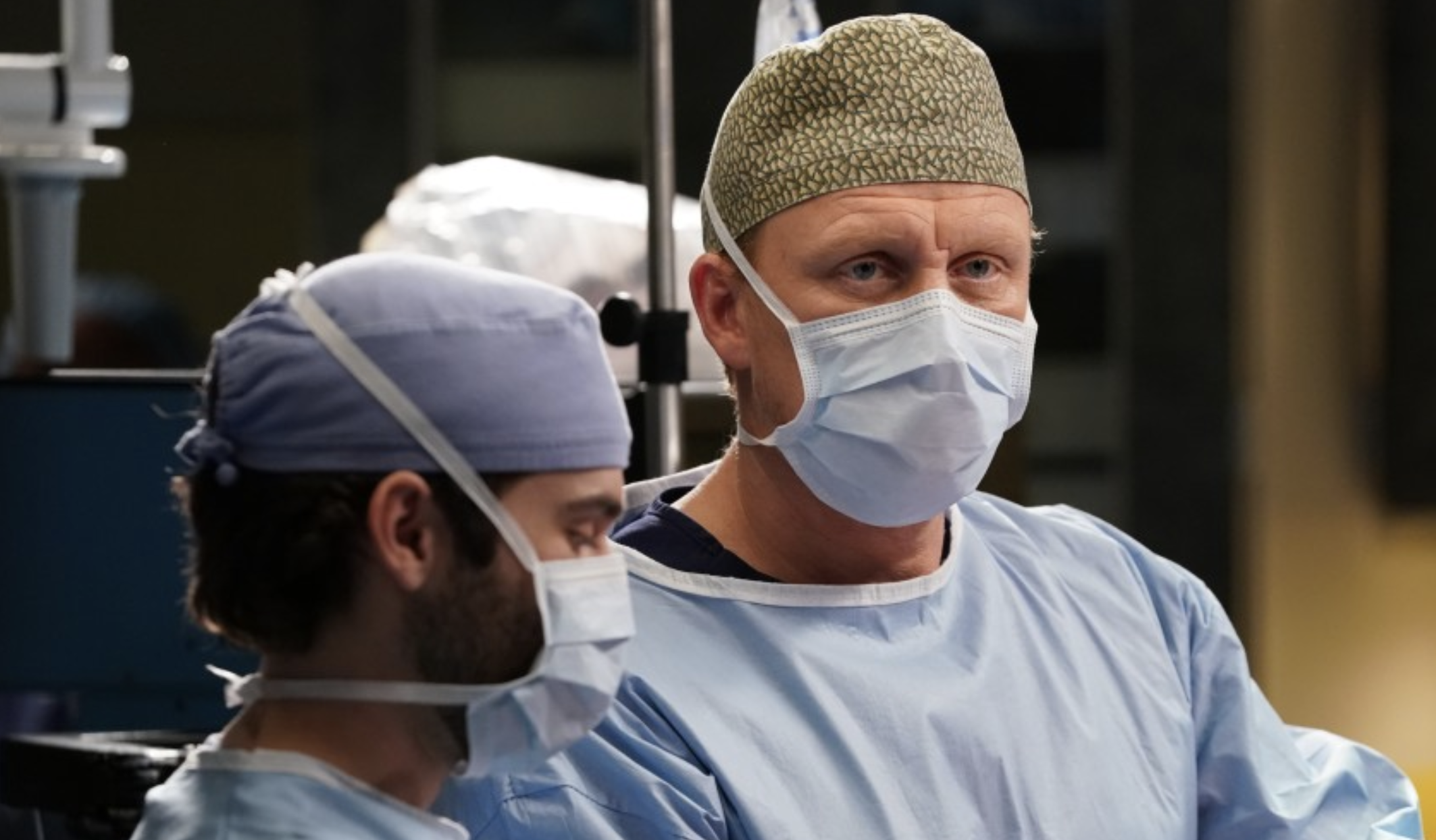"""Grey's Anatomy"" star Kevin McKidd, right, as Dr. Owen Hunt. (Gilles Mingasson / ABC via Los Angeles Times)"