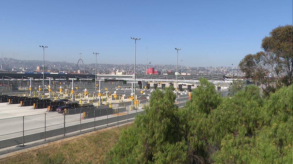 Southbound traffic lanes at the San Ysidro Border Crossing. (Salvador Rivera/Border Report)