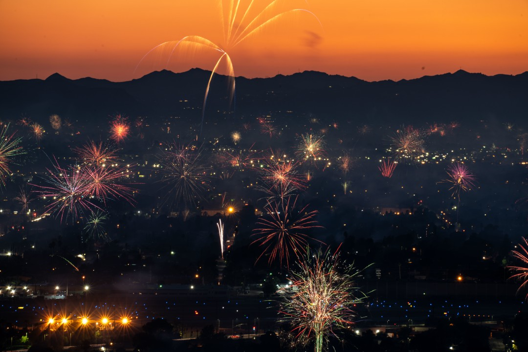 Fireworks over North Hollywood, as seen from Burbank on July 4, 2020.(Kent Nishimura/Los Angeles Times)
