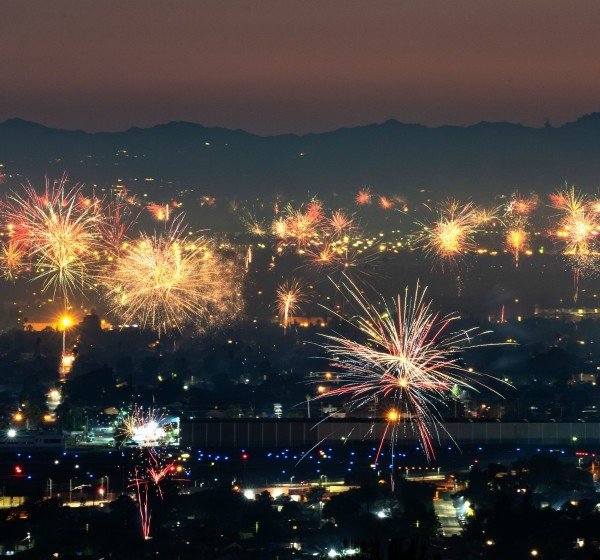 Fireworks over North Hollywood, as seen from Burbank on July 4, 2020. ((Kent Nishimura / Los Angeles Times)