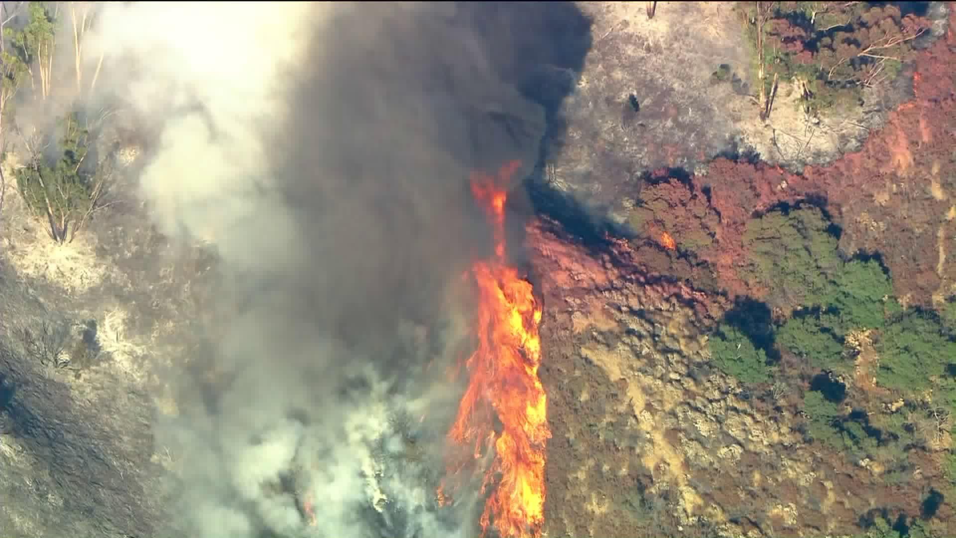 The Skyline Fire was burning in Corona on Aug. 13, 2020. (KTLA)