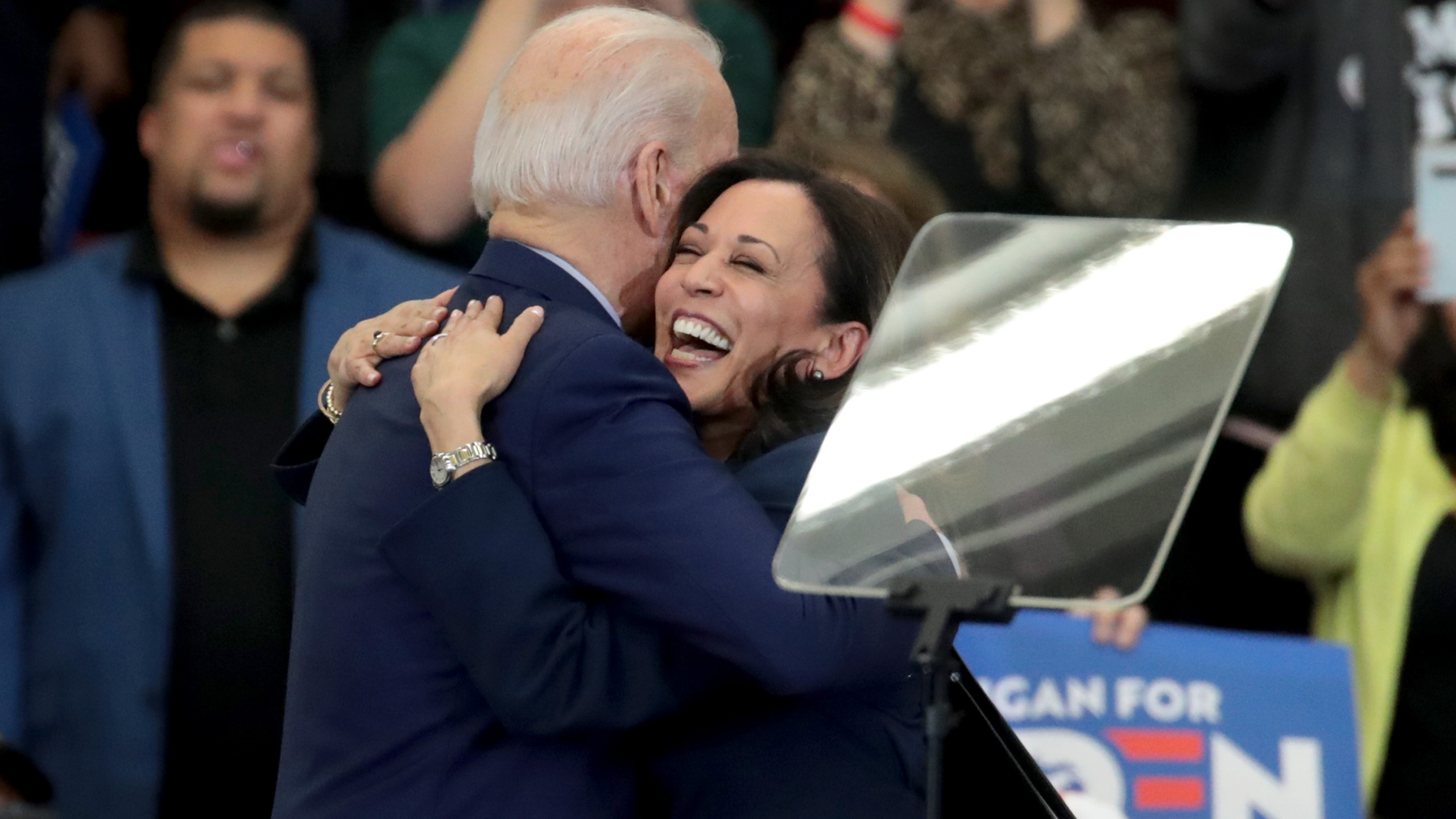 Sen. Kamala Harris (L) (D-CA), hugs Democratic presidential candidate former Vice President Joe Biden after introducing him at a campaign rally at Renaissance High School on March 09, 2020 in Detroit, Michigan. (Scott Olson/Getty Images)
