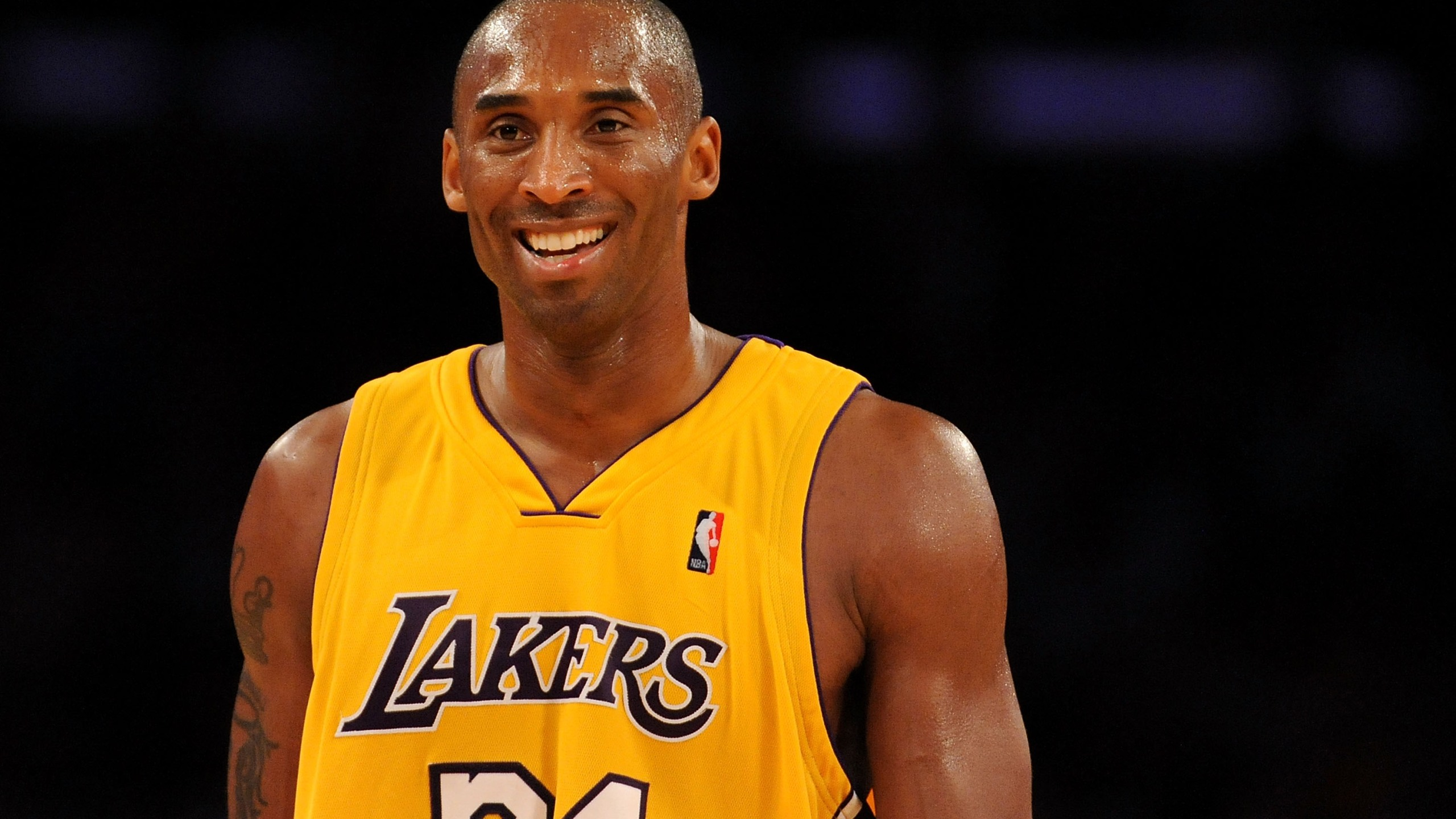 Kobe Bryant of the Los Angeles Lakers smiles during a game against the Chicago Bulls on Nov. 19, 2009 at Staples Center in Los Angeles. (Harry How/Getty Images)