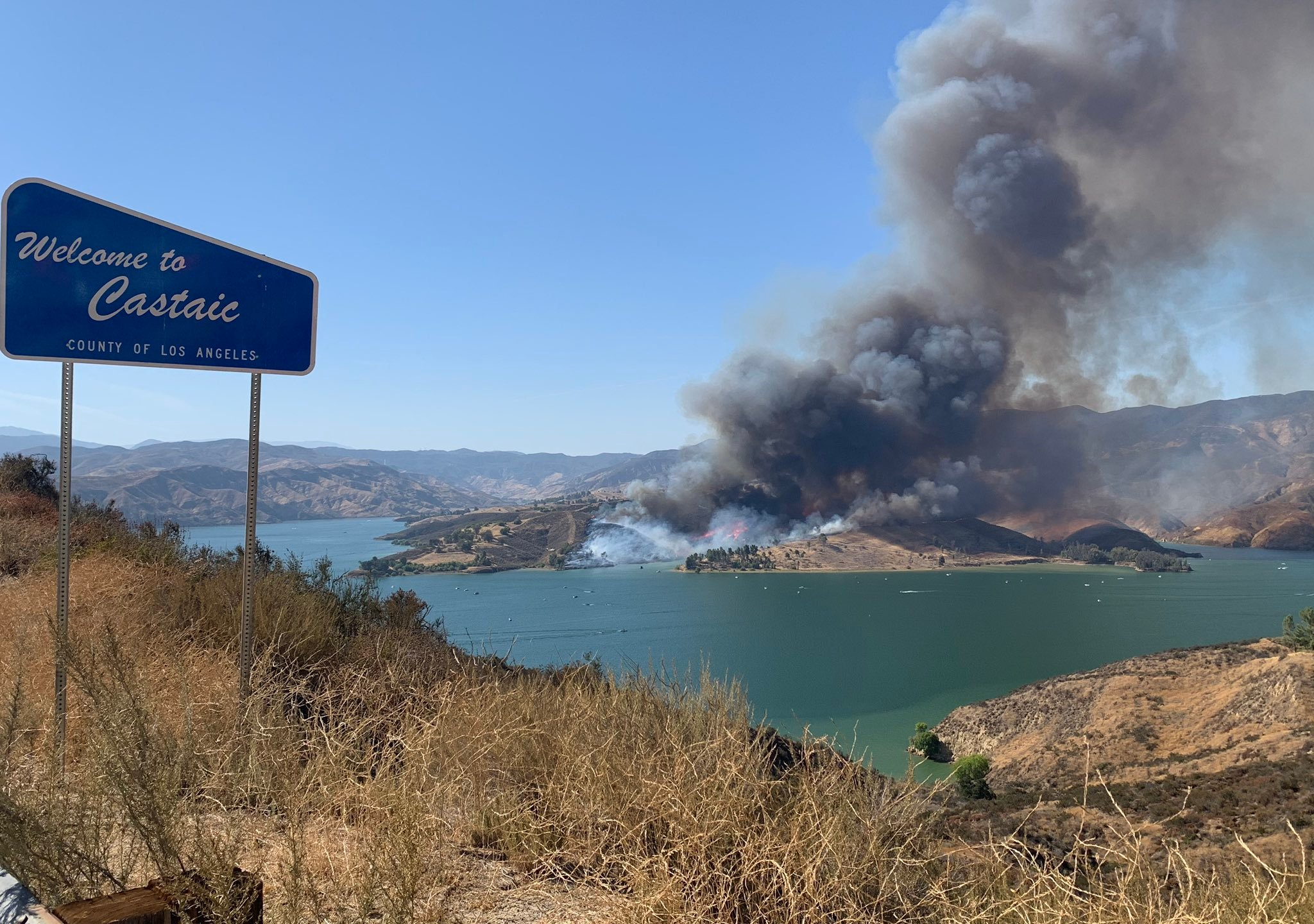 The Castaic Fire burns near Lake Castaic on Aug. 1, 2020. (Angeles National Forest via Twitter)