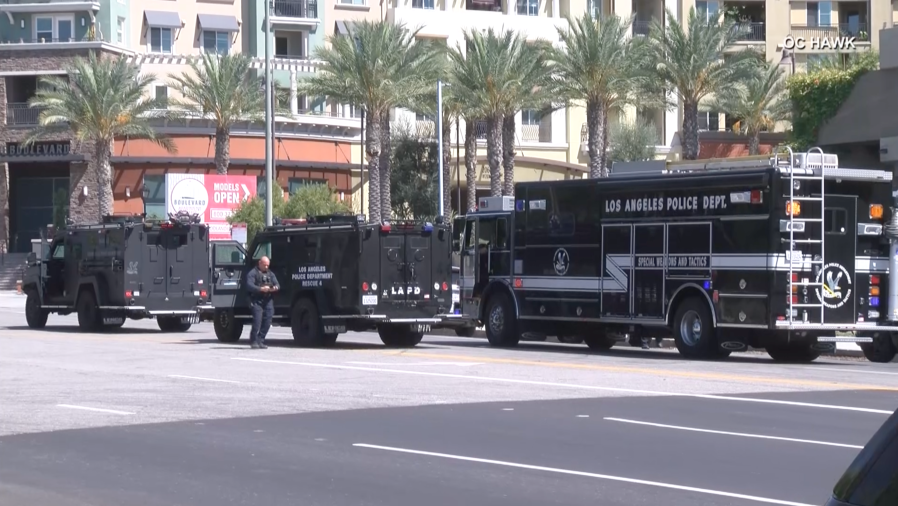 LAPD armored vehicles in Woodland Hills on Aug. 30, 2020. (OC Hawk)