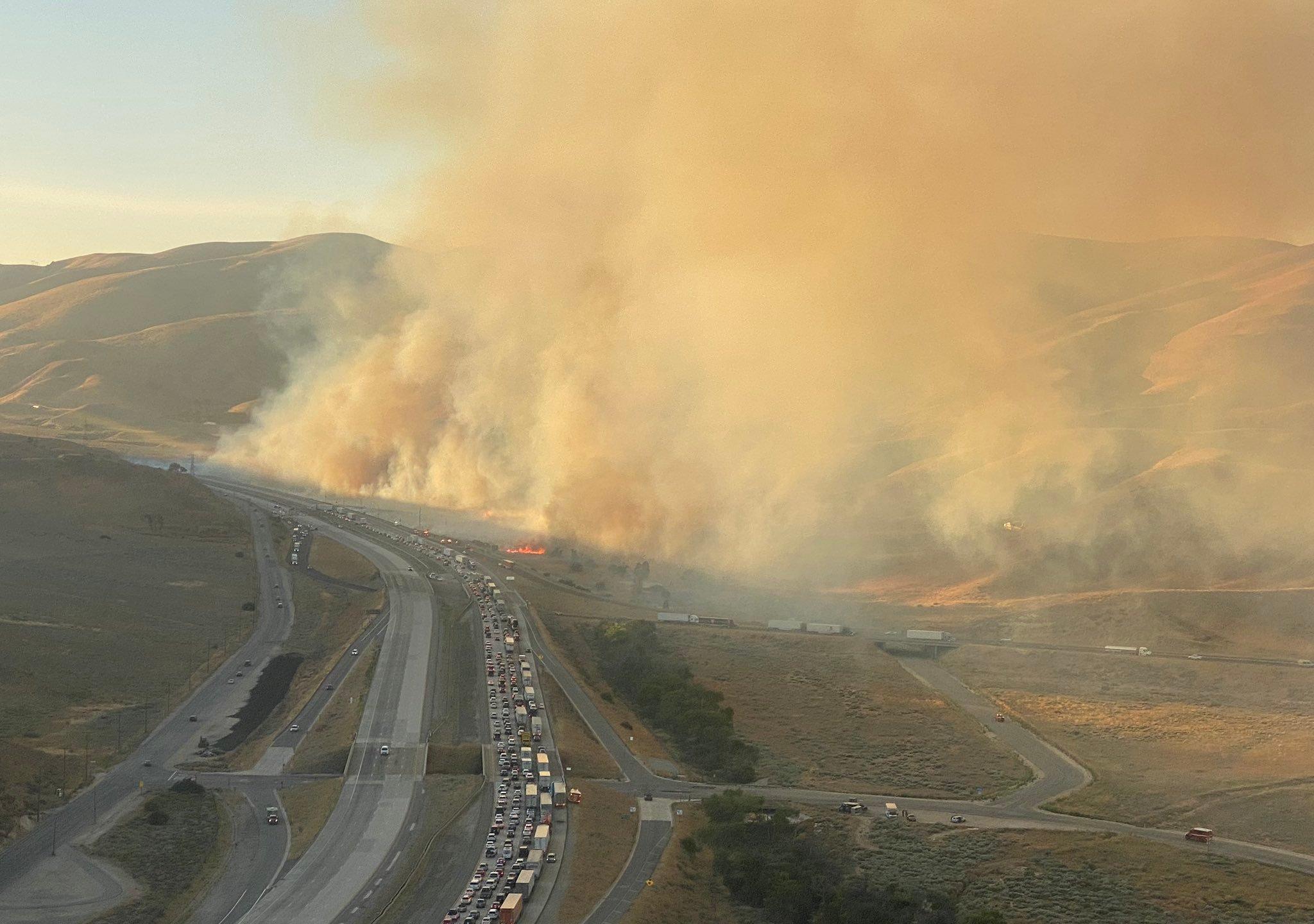 Post Fire Burns 200 Acres Near Gorman Causing 5 Freeway Closures And Delays Ktla