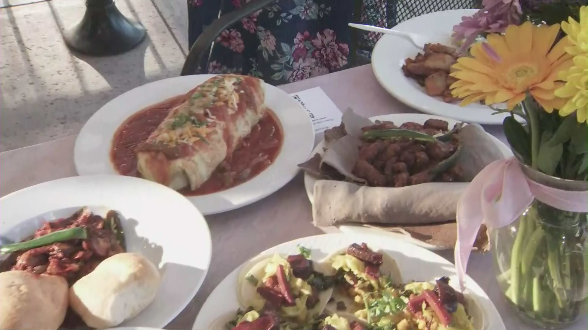 Ranch Side Cafe in Lake View Terrace displays its menu offerings on Aug. 9, 2020. (KTLA)
