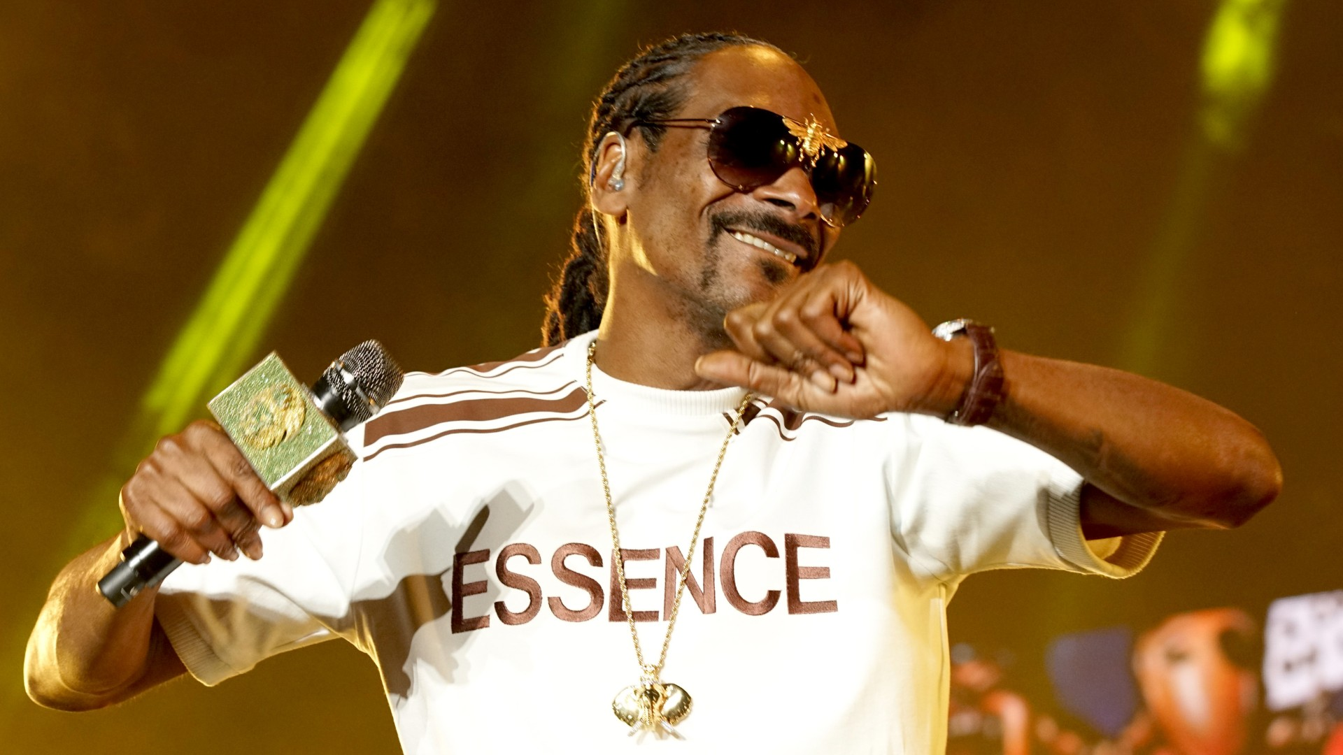 Snoop Dogg performs onstage during the 2018 Essence Festival presented By Coca-Cola on July 6, 2018 in New Orleans, Louisiana. (Bennett Raglin/Getty Images for Essence)