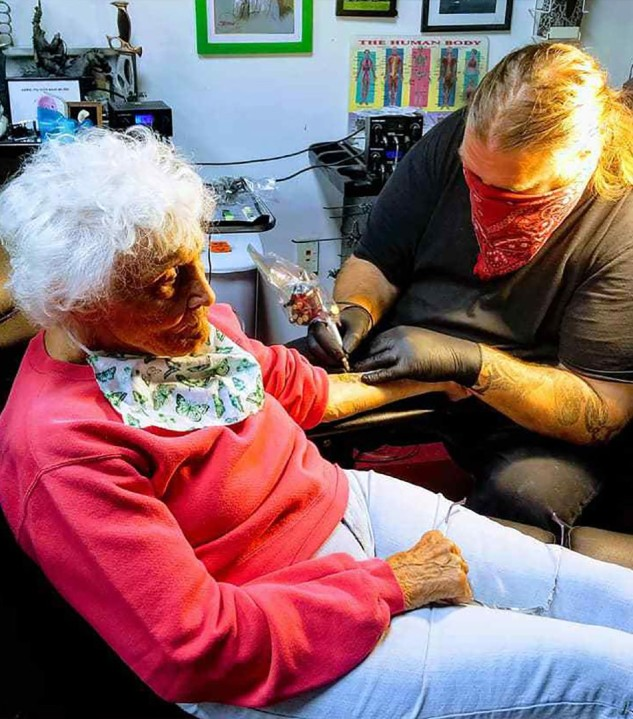 Dorothy Pollack getting her first tattoo. (Teresa Gomez Zavitz-Jones)