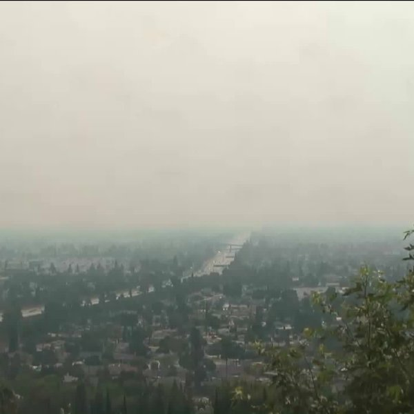 Unhealthy air advisory issued by the SQAMD on Sept. 15, 2020. (KTLA)