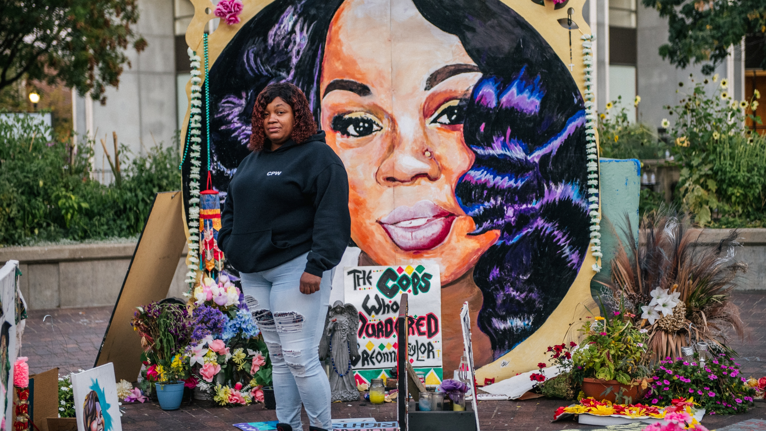 Tamika Palmer, mother of Breonna Taylor, poses for a portrait in front of a mural of her daughter at Jefferson Square park on September 21, 2020 in Louisville, Kentucky. (Brandon Bell/Getty Images)