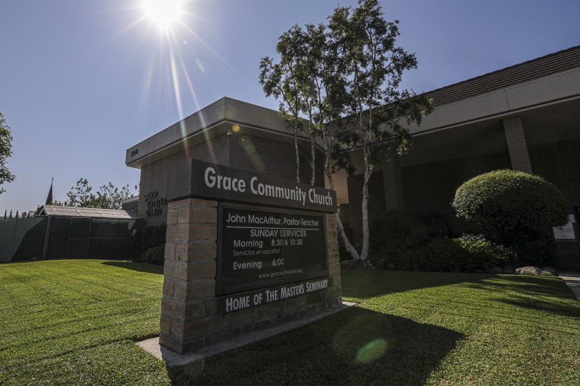Grace Community Church in Sun Valley, seen in an undated photo, draws thousands of worshippers, most of whom do not wear masks or socially distance. (Irfan Khan / Los Angeles Times)