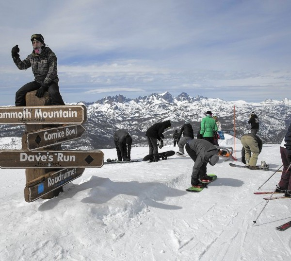 Mammoth Mountain and other California resorts will limit the number of skiers and snowboarders on the slopes because of the COVID-19 pandemic.(Brian van der Brug / Los Angeles Times)