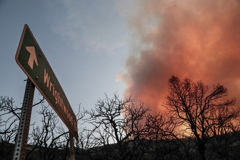 The view from Big Pines Highway as the Bobcat fire continues to burn in the Angeles National Forest. (Robert Gauthier / Los Angeles Times)