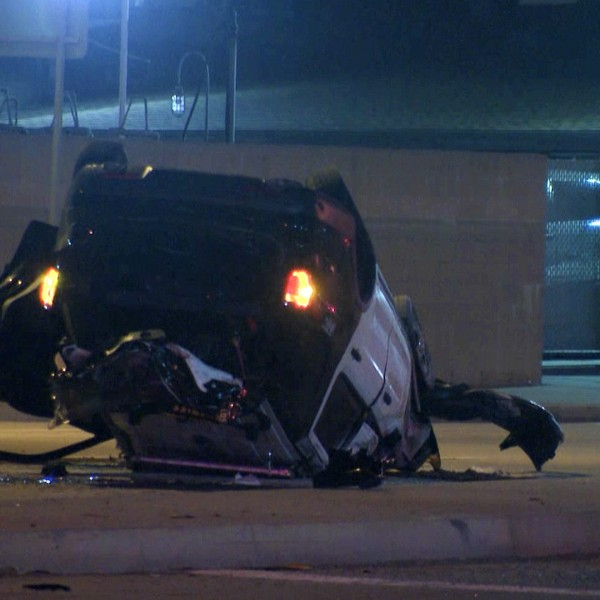 A Los Angeles County Sheriff's Department vehicle is seen following a rollover crash near Compton on Sept. 20, 2020. (KTLA)