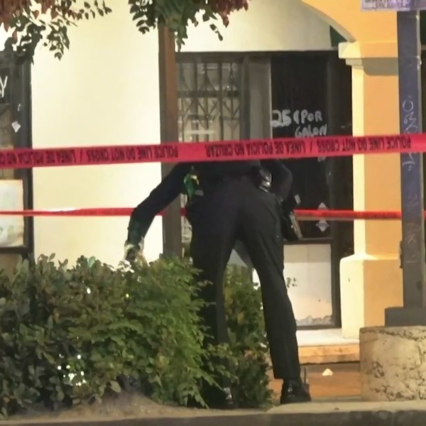 Police investigate a fatal shooting in Santa Ana on Sept. 22, 2020. (OnScene.TV)
