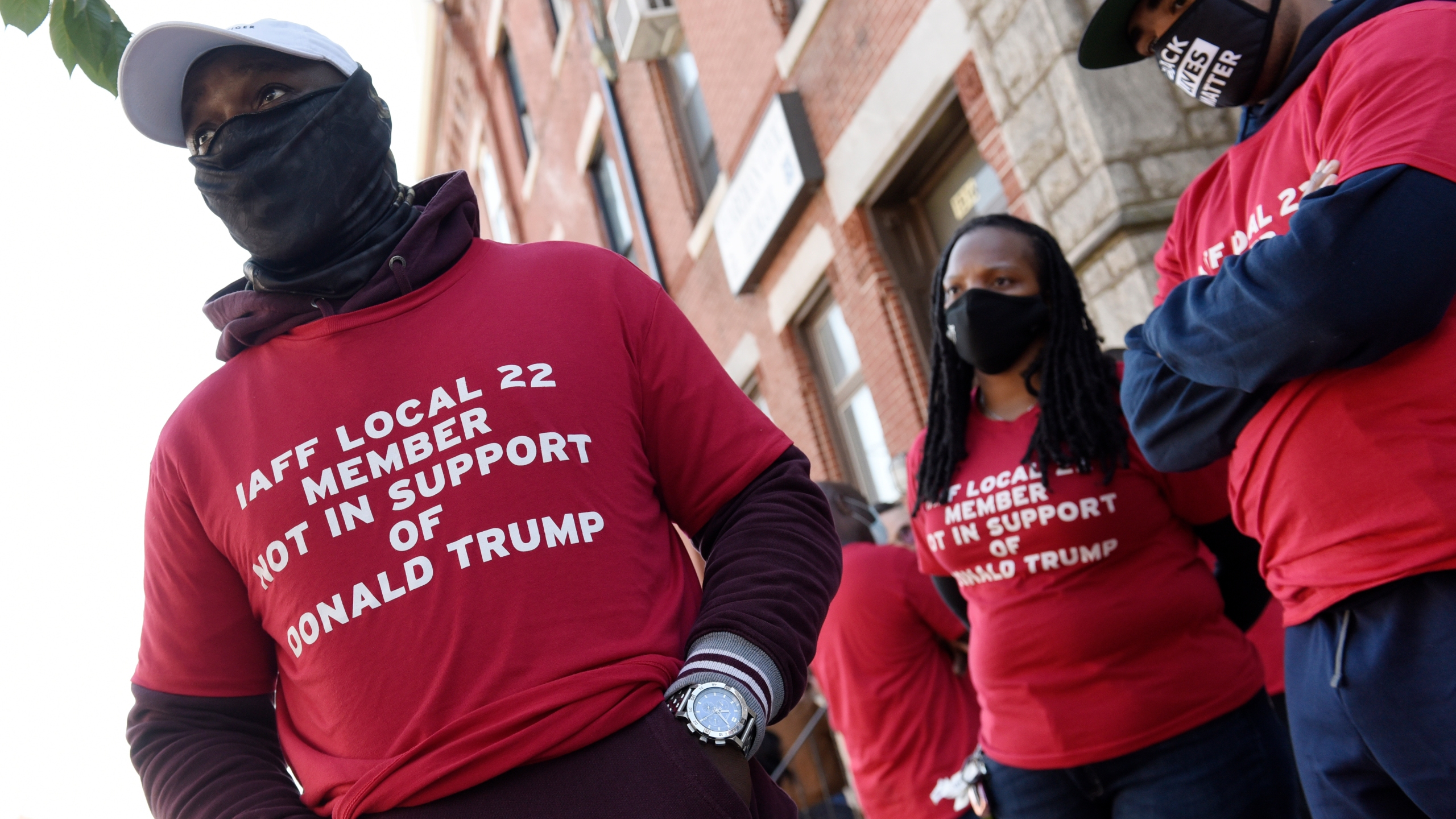 'They don't care about us': Black Police officers break from police unions endorsing President Trump - Tatahfonewsarena