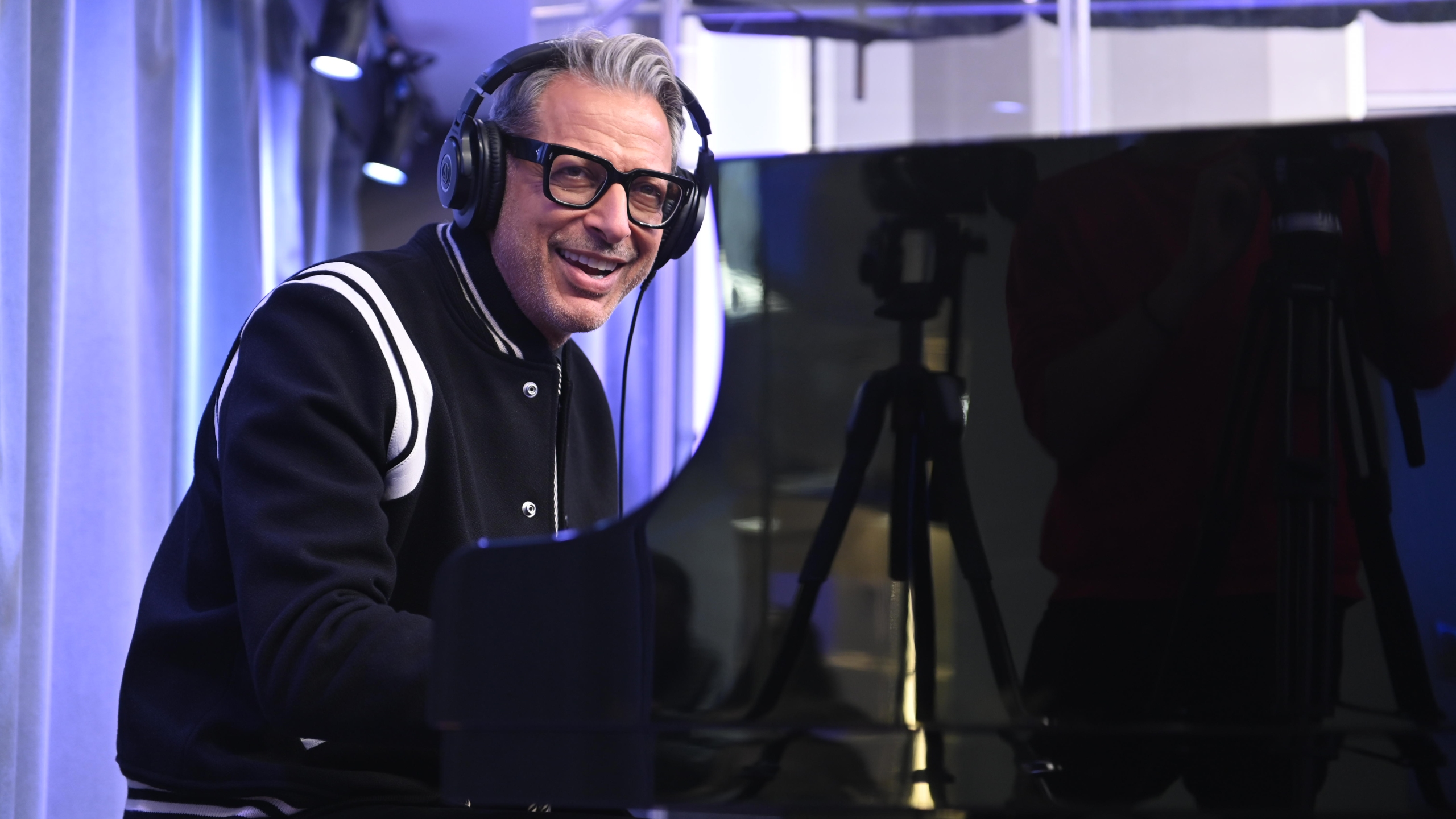 Jeff Goldblum performs with The Mildred Snitzer Orchestra on SiriusXM's Real Jazz Channel at The SiriusXM Studios in New York City on November 11, 2019 in New York City. (Noam Galai/Getty Images for SiriusXM)