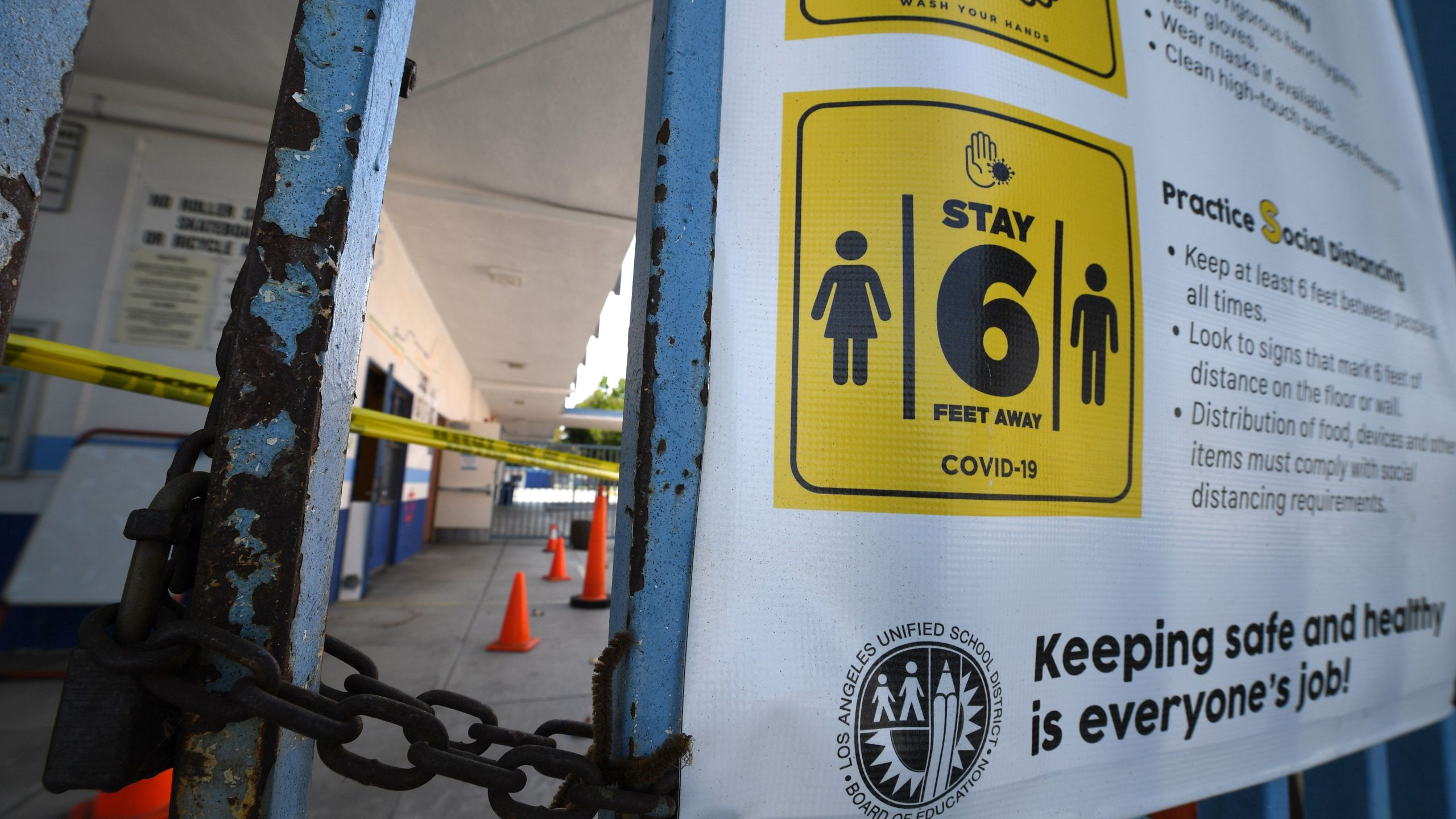 A public elementary school campus in Los Angeles is shown on Aug. 17, 2020. (ROBYN BECK/AFP via Getty Images)