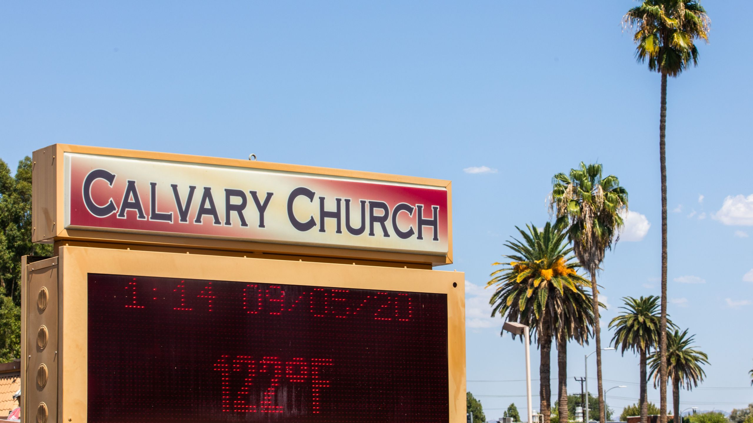 The thermometer registers 122 degrees Fahrenheit in Woodland Hills on Sept. 5, 2020. (APU GOMES/AFP via Getty Images)