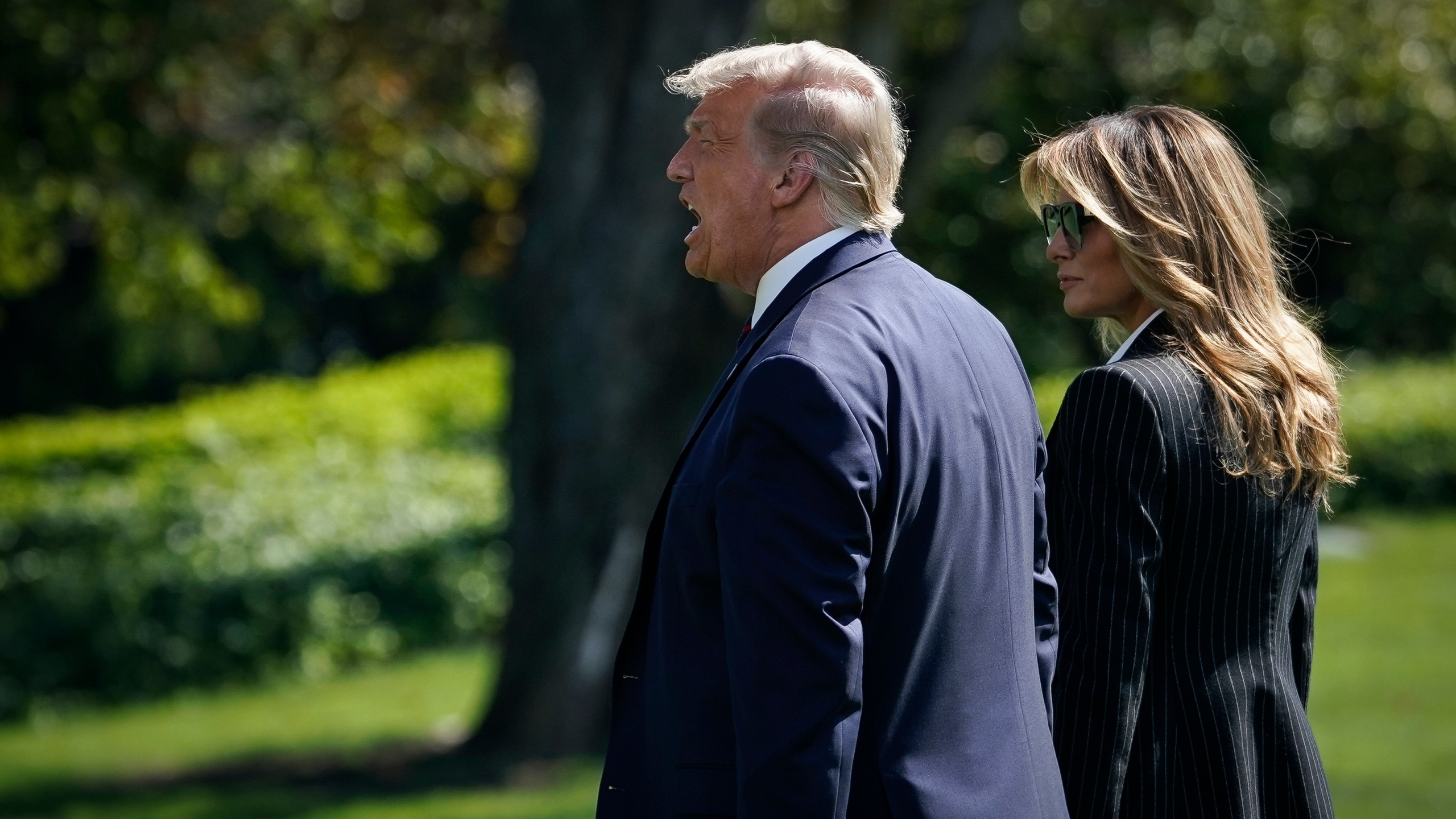 Donald and Melania Trump walk to Marine One on the South Lawn of the White House on Sept. 29, 2020 in Washington, D.C. (Drew Angerer/Getty Images)