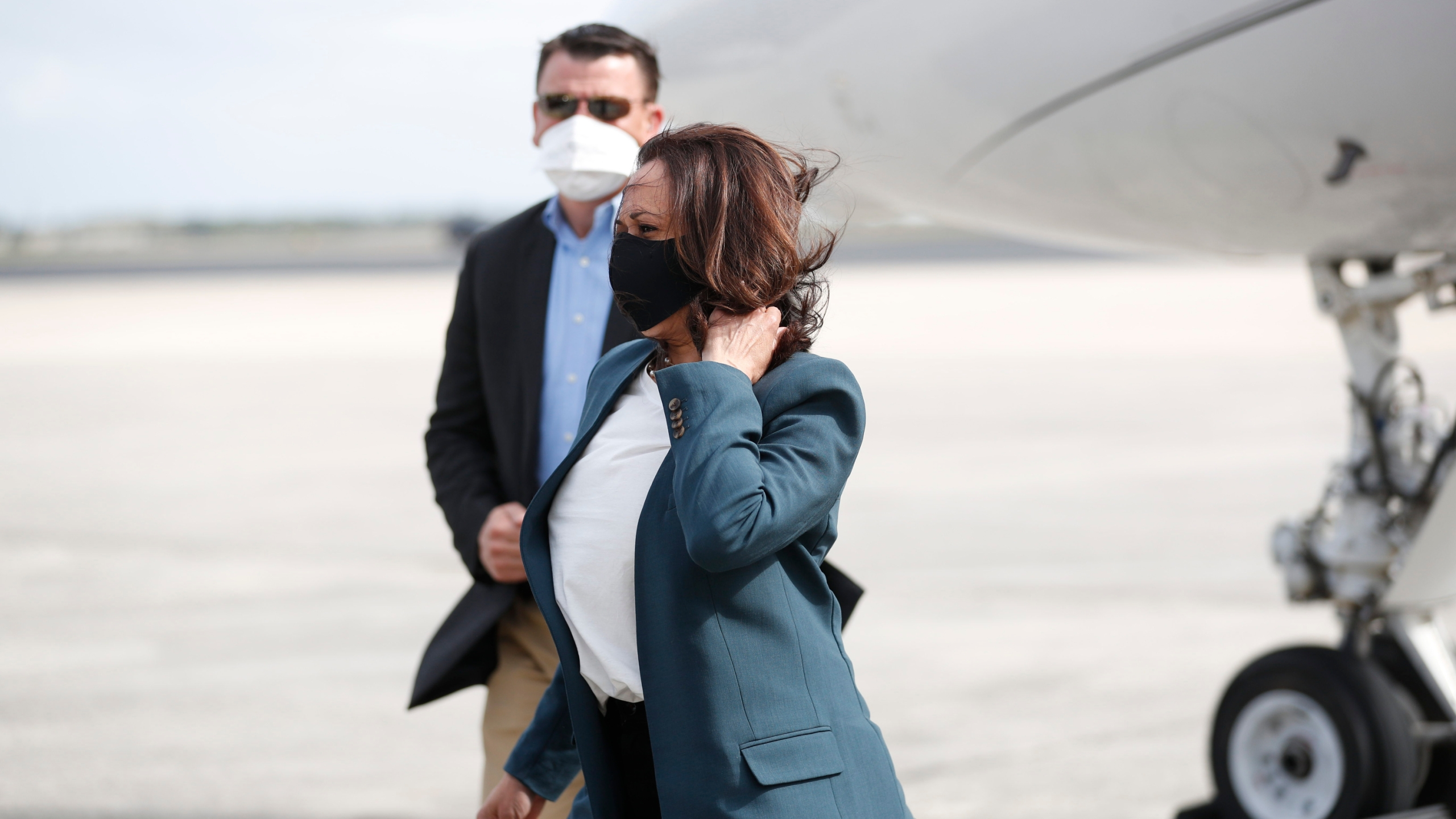 Democratic U.S. Vice Presidential nominee Sen. Kamala Harris arrives at the Orlando International Airport Orlando to show support for an early voting mobilization event on Oct. 19, 2020 in Orlando, Florida. (Octavio Jones/Getty Images)