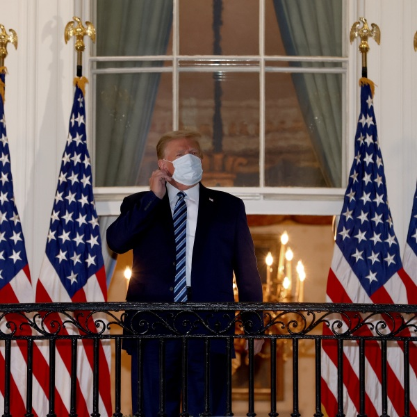 President Donald Trump returns to the White House from Walter Reed National Military Medical Center on Oct. 05, 2020. (Win McNamee/Getty Images)