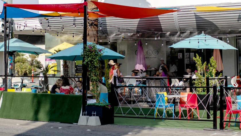 California restaurants gained jobs in September. Above, outdoor seating at Lulu's in Palm Springs.(Gina Ferazzi / Los Angeles Times)