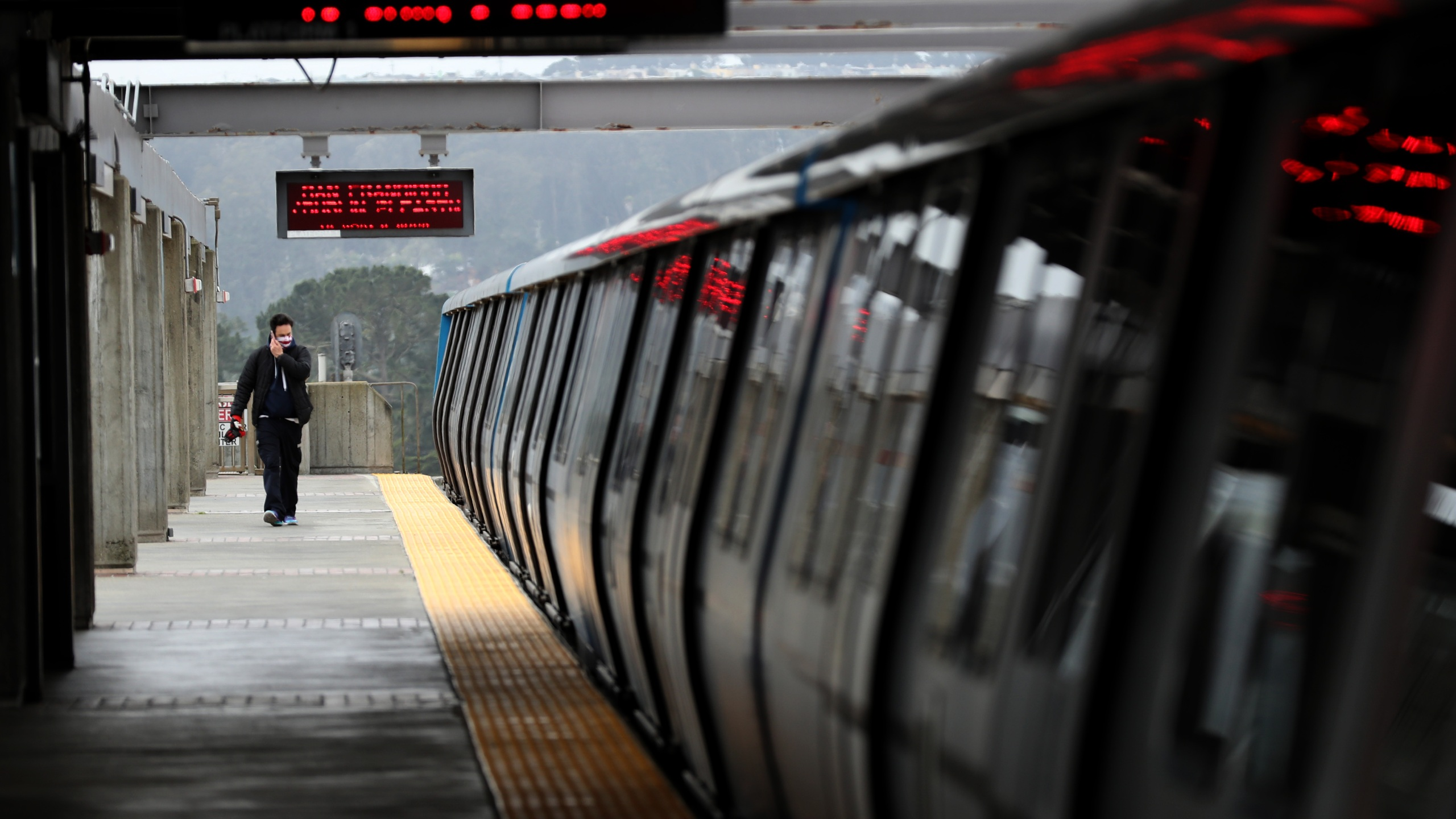 The platform at the Daly City Bay Area Rapid Transit (BART) station is deserted on April 08, 2020 in Daly City, California. (Justin Sullivan/Getty Images)