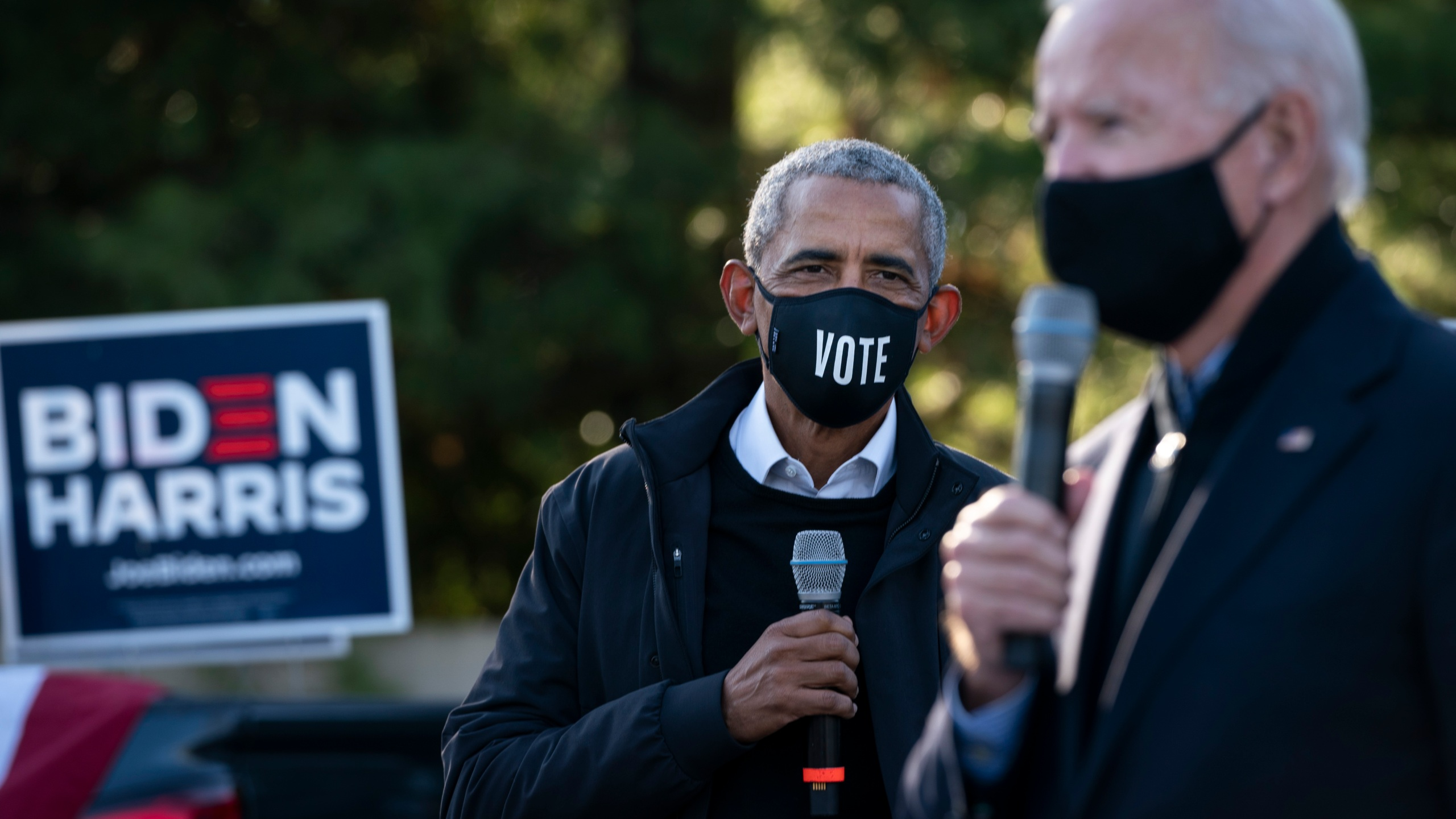 Democratic presidential nominee Joe Biden and former U.S. President Barack Obama make a stop at a canvass kickoff event at Birmingham Unitarian Church on Oct. 31, 2020 in Bloomfield Hills, Michigan. (Drew Angerer/Getty Images)