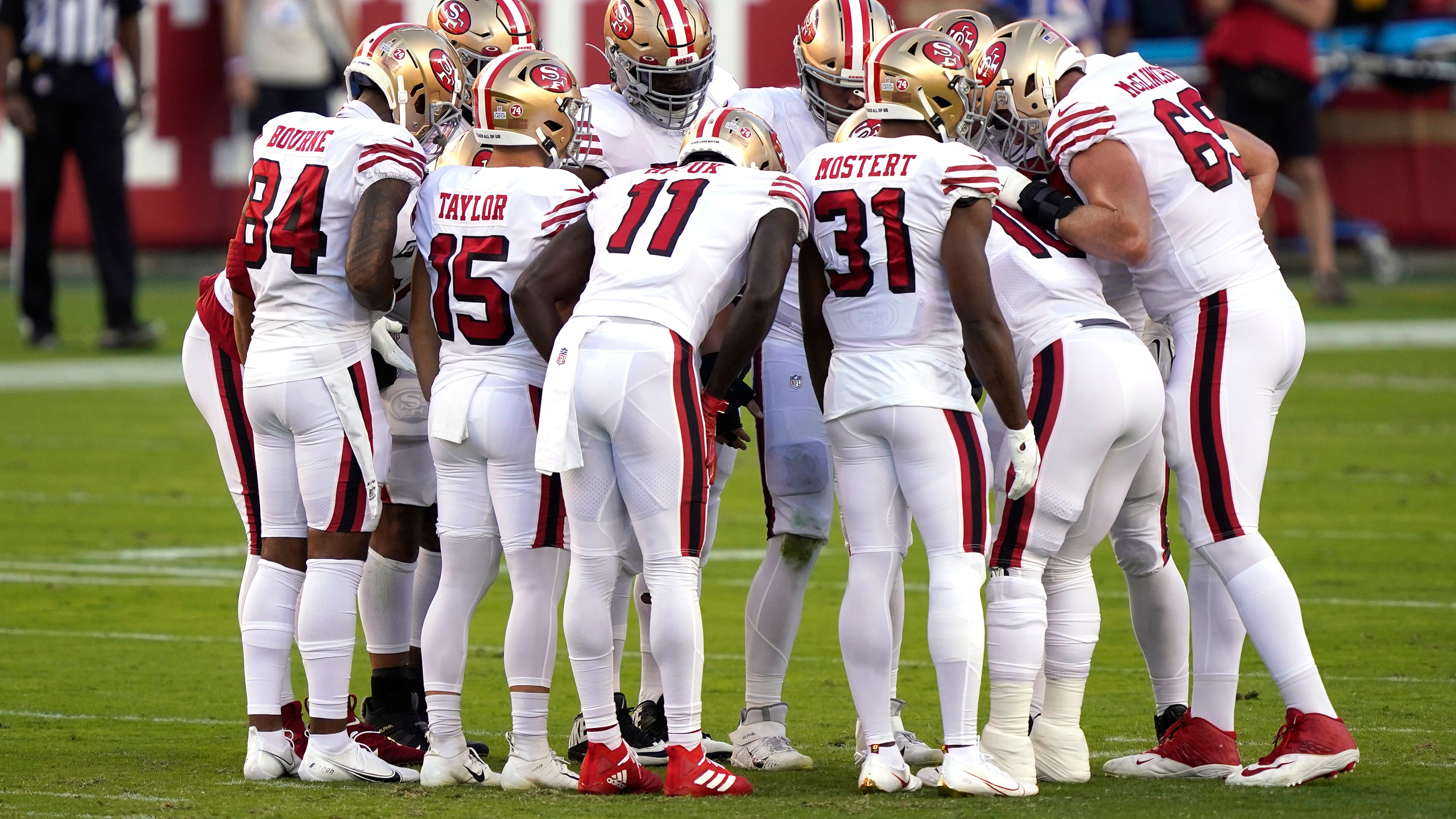 The San Francisco 49ers huddle against the Los Angeles Rams during the first quarter at Levi's Stadium on October 18, 2020 in Santa Clara. (Thearon W. Henderson/Getty Images)