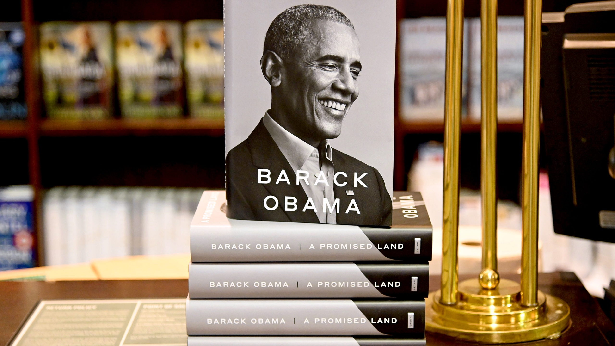 """President Barack Obama's memoir """"A Promised Land"""" goes on sale ahead of the holiday season at Barnes & Noble Union Square on Nov. 17, 2020, in New York City. (Jamie McCarthy/Getty Images)"""