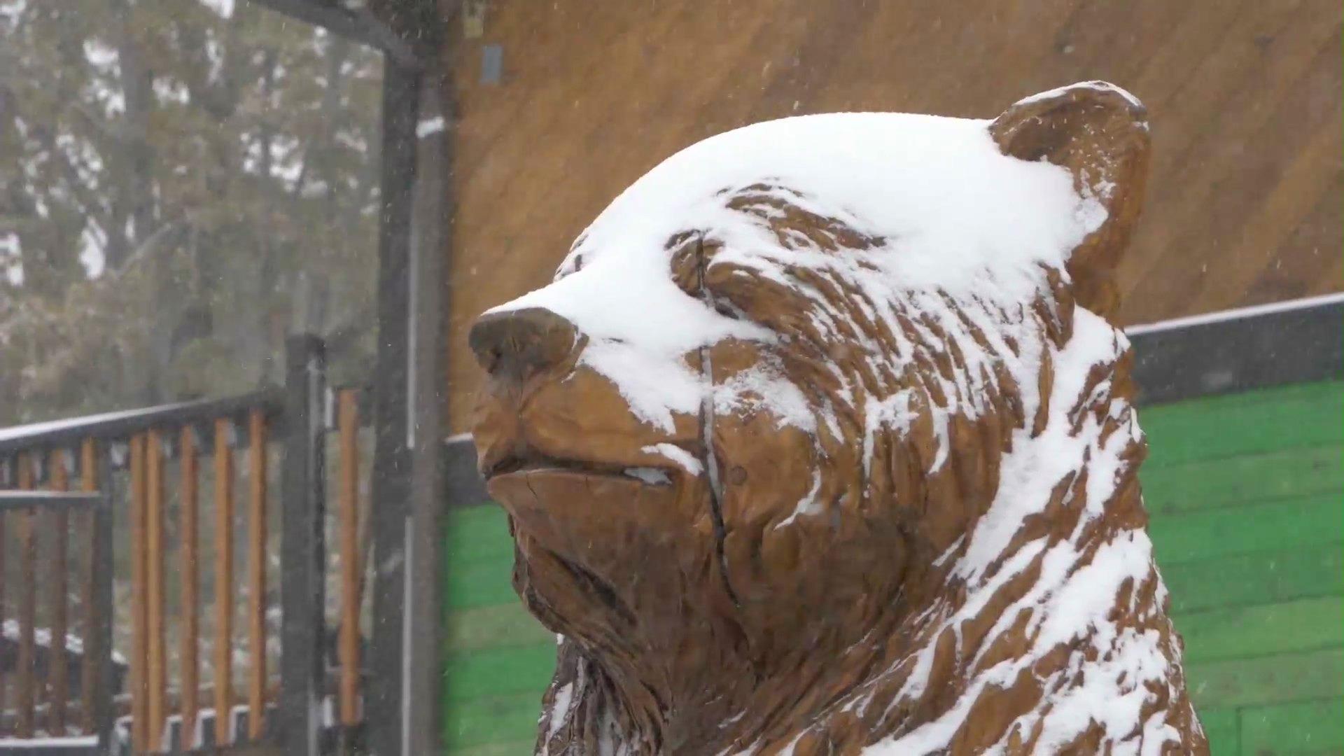 File photo of snow falling in Big Bear. (KTLA)