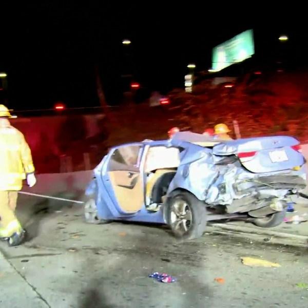 Emergency crews respond to a fatal crash on the 101 Freeway in East Hollywood on Nov. 10, 2020. (LLN)