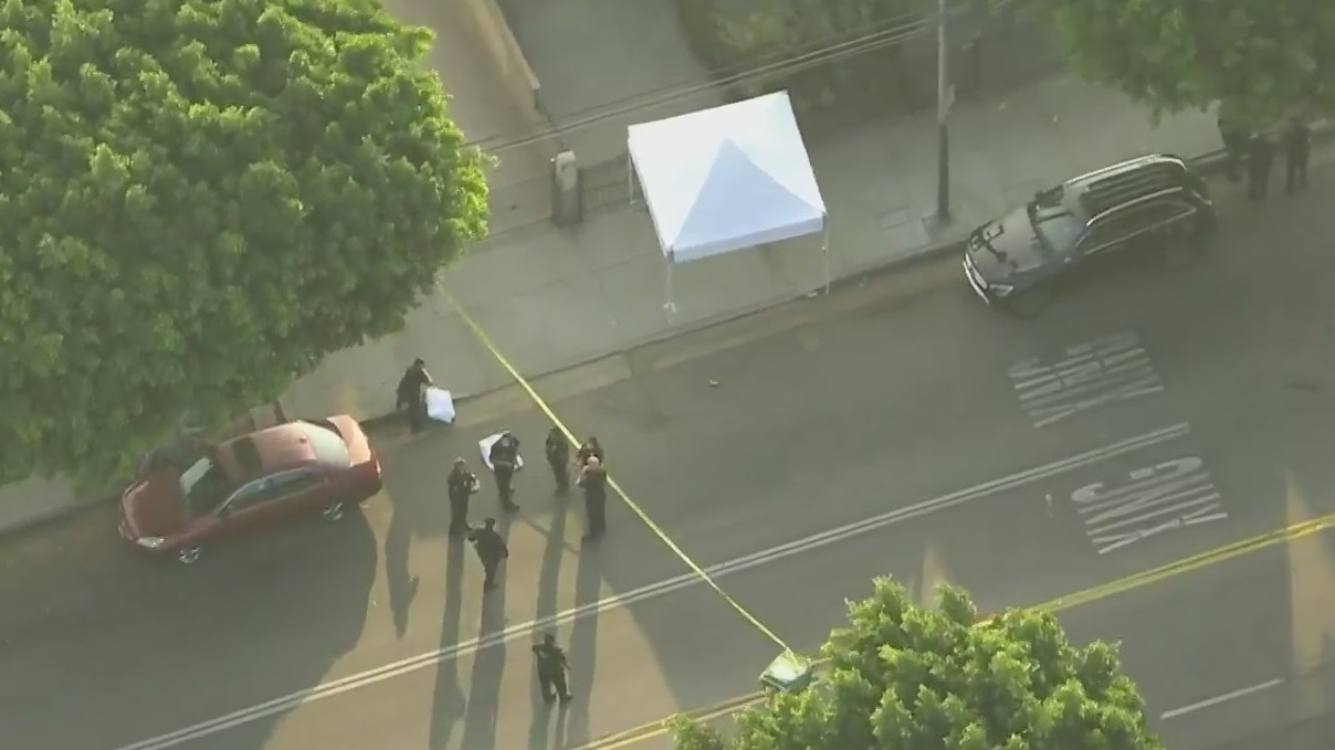 Authorities respond to investigate a deadly shooting in Boyle Heights on Nov. 23, 2020. (KTLA)