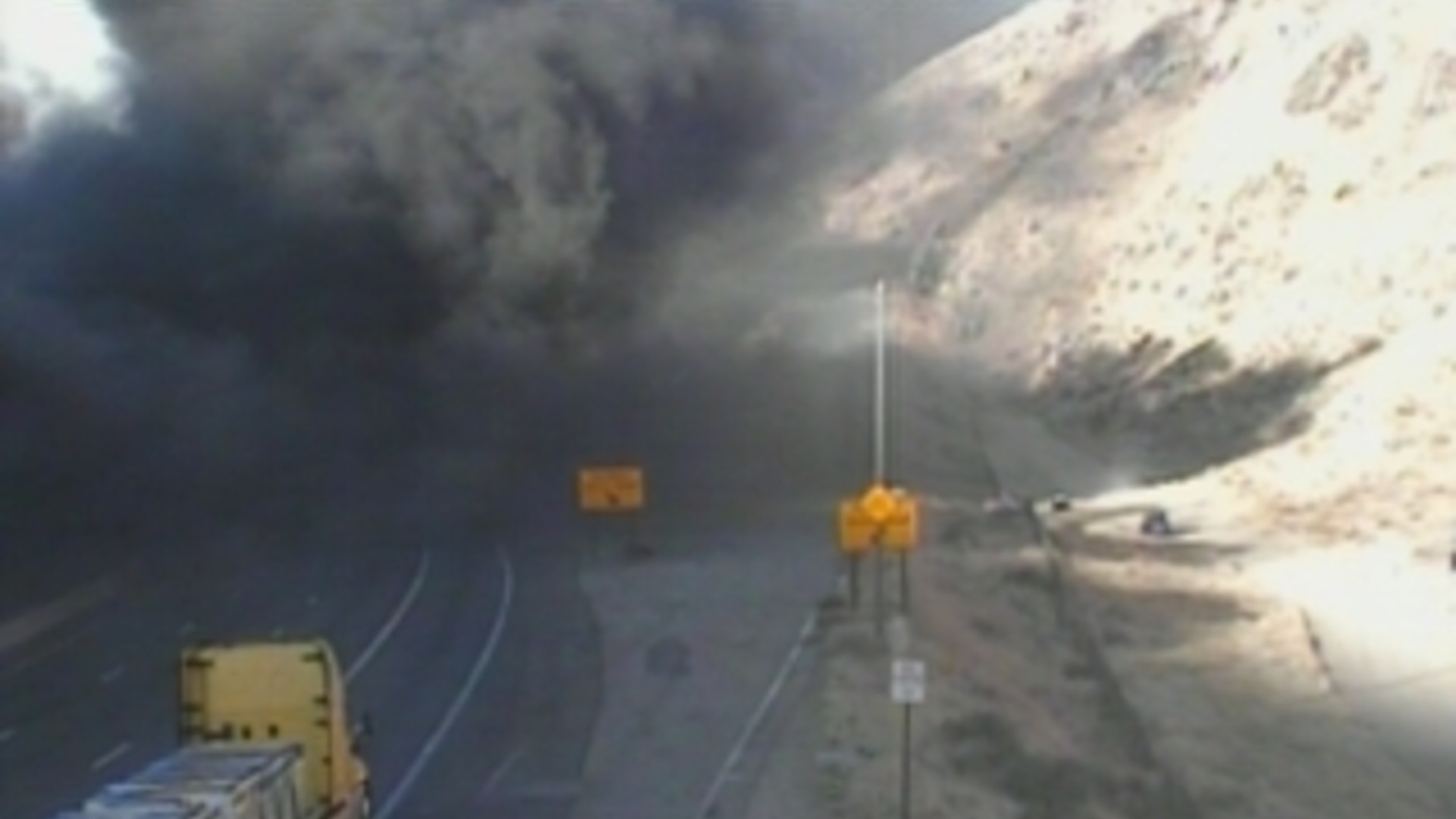A big rig fire spread to a nearby hillside in the Grapevine along the 5 Freeway on Dec. 2, 2020. (Caltrans)