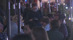 People dine out in Pasadena on Dec. 1, 2020. (KTLA)