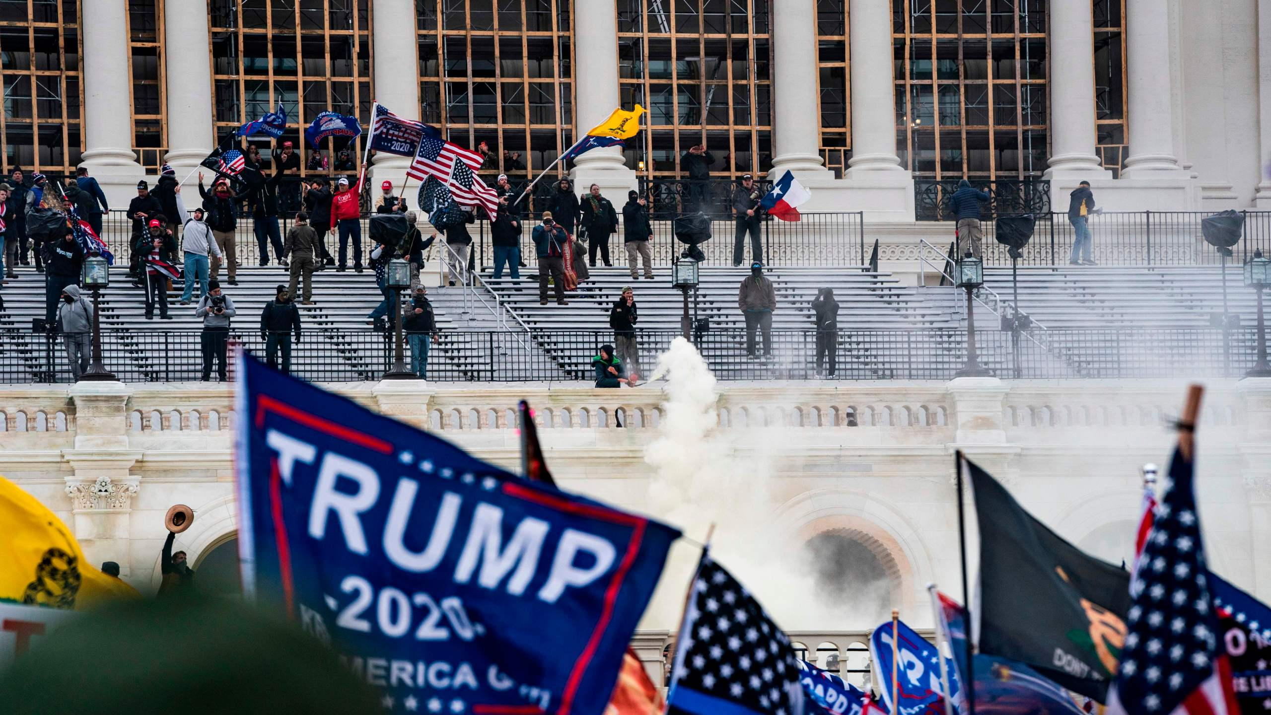 Supporters of US President Donald Trump clash with the US Capitol police during a riot at the US Capitol on January 6, 2021, in Washington, DC. (Alex Edelman/AFP via Getty Images)