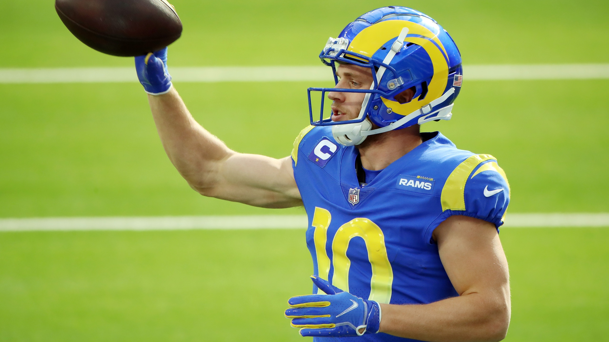 Cooper Kupp #10 of the Los Angeles Rams warms up before the game against the San Francisco 49ers at SoFi Stadium on November 29, 2020 in Inglewood, California. (Katelyn Mulcahy/Getty Images)