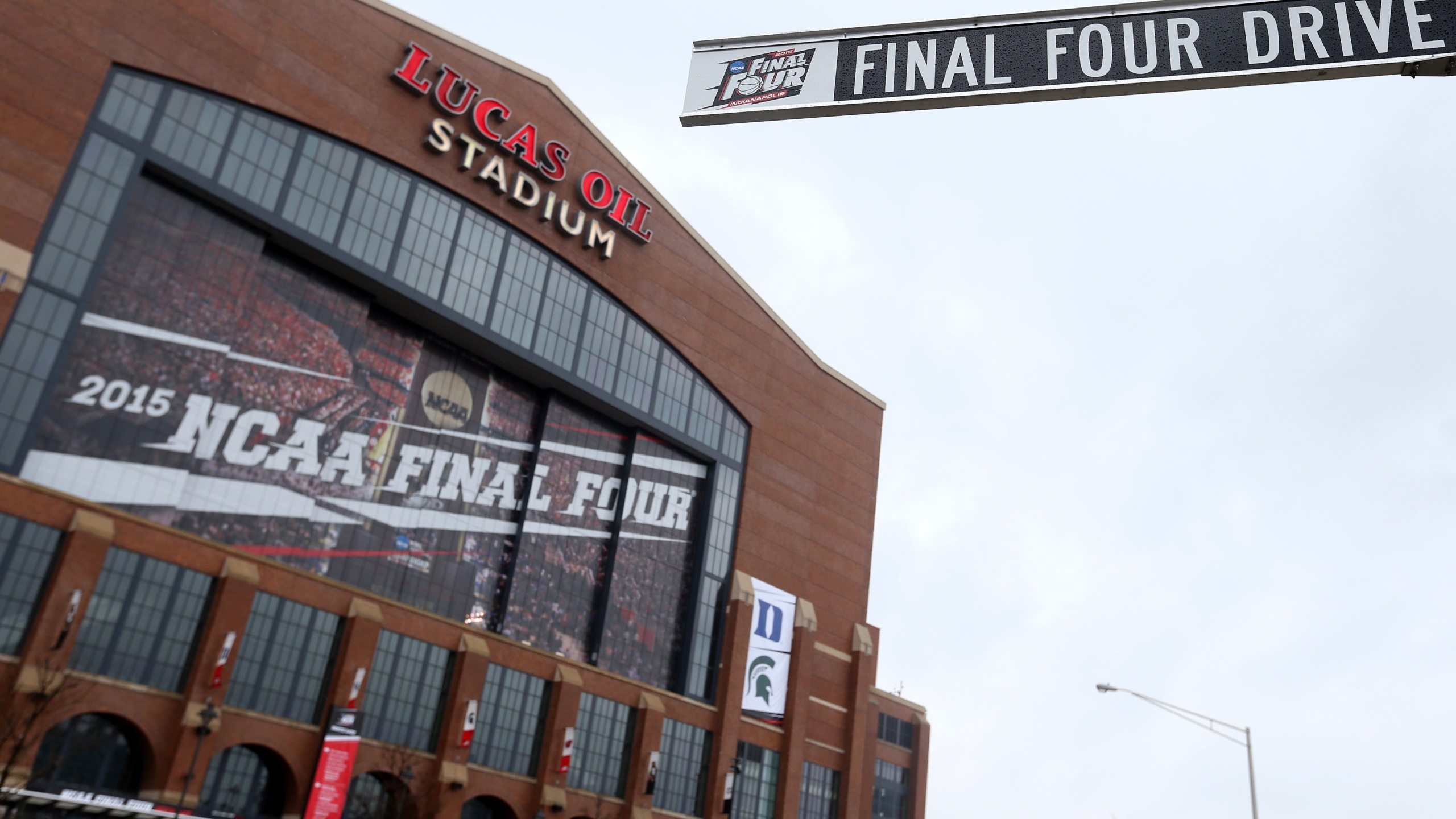 A file photo shows the Final Four Drive street sign outside Lucas Oil Stadium ahead of the 2015 NCAA Men's Final Four on April 2, 2015 in Indianapolis, Indiana. (Streeter Lecka/Getty Images)