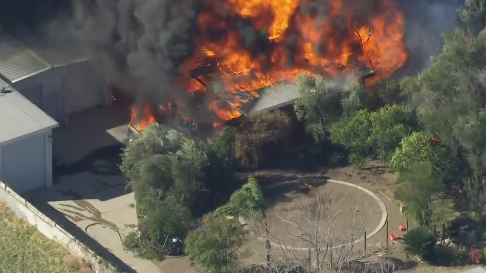 Firefighters respond to a blaze in Sylmar on Jan. 15, 2021. (KTLA)