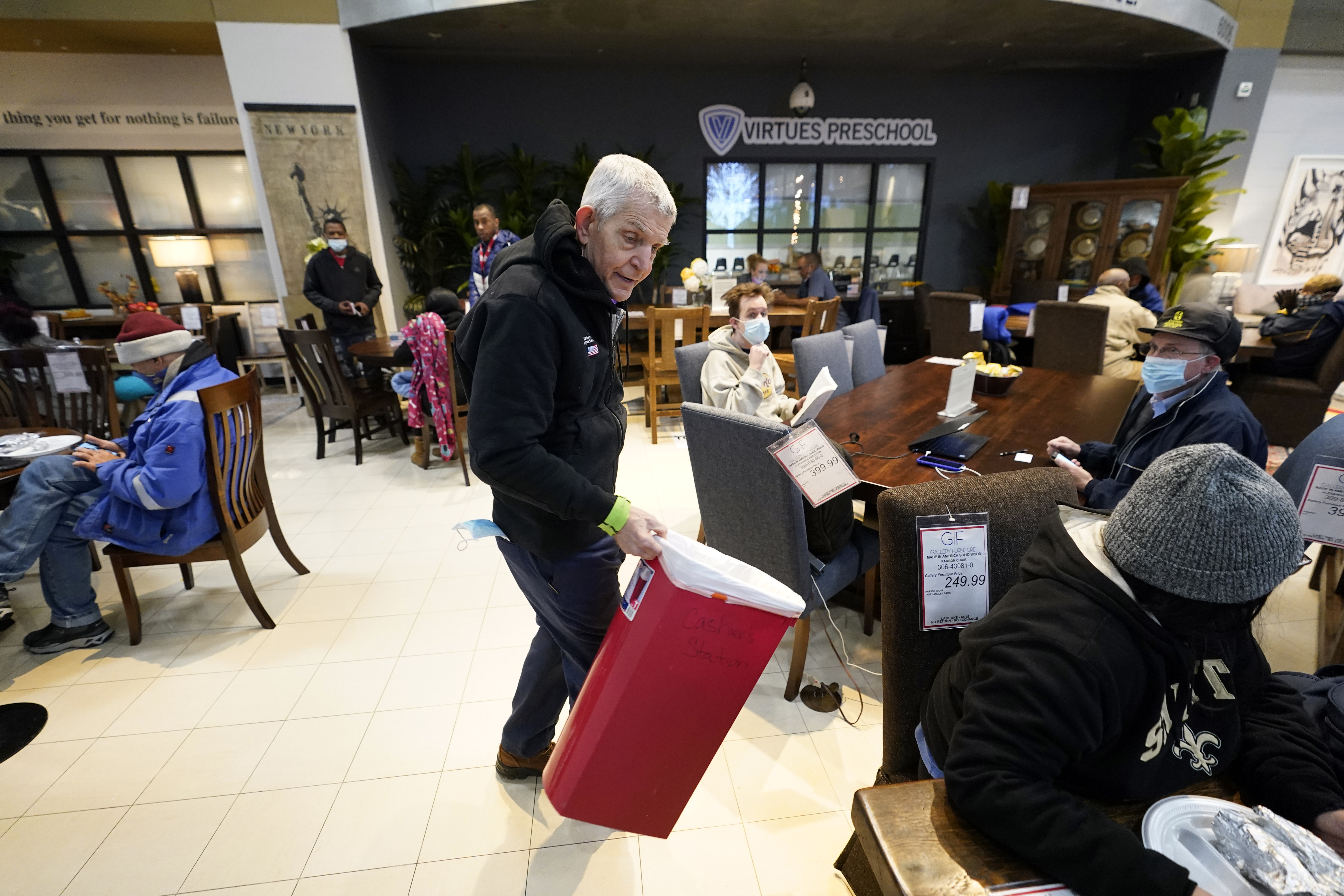 Mattress Mack Owner Of Houston Furniture Store Offers Shelter To Residents After Winter Storm Ktla