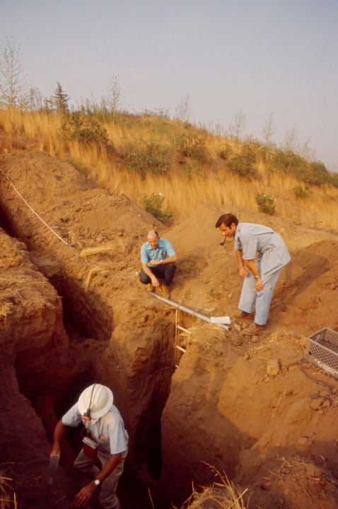 """From left: F. Beach Leighton, Jules Bergman examine fault line trench after the Sylmar Earthquake / 1971 San Fernando earthquake, in the Walt Disney Television via Getty Images / GE Monogram series episode """"The Violent Earth."""" (Walt Disney Television via Getty Images)"""