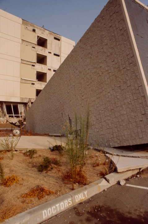 """Olive View Medical Center in the aftermath of the Sylmar Earthquake / 1971 San Fernando earthquake, in the Walt Disney Television via Getty Images / GE Monogram series episode """"The Violent Earth."""" (Walt Disney Television via Getty Images)"""