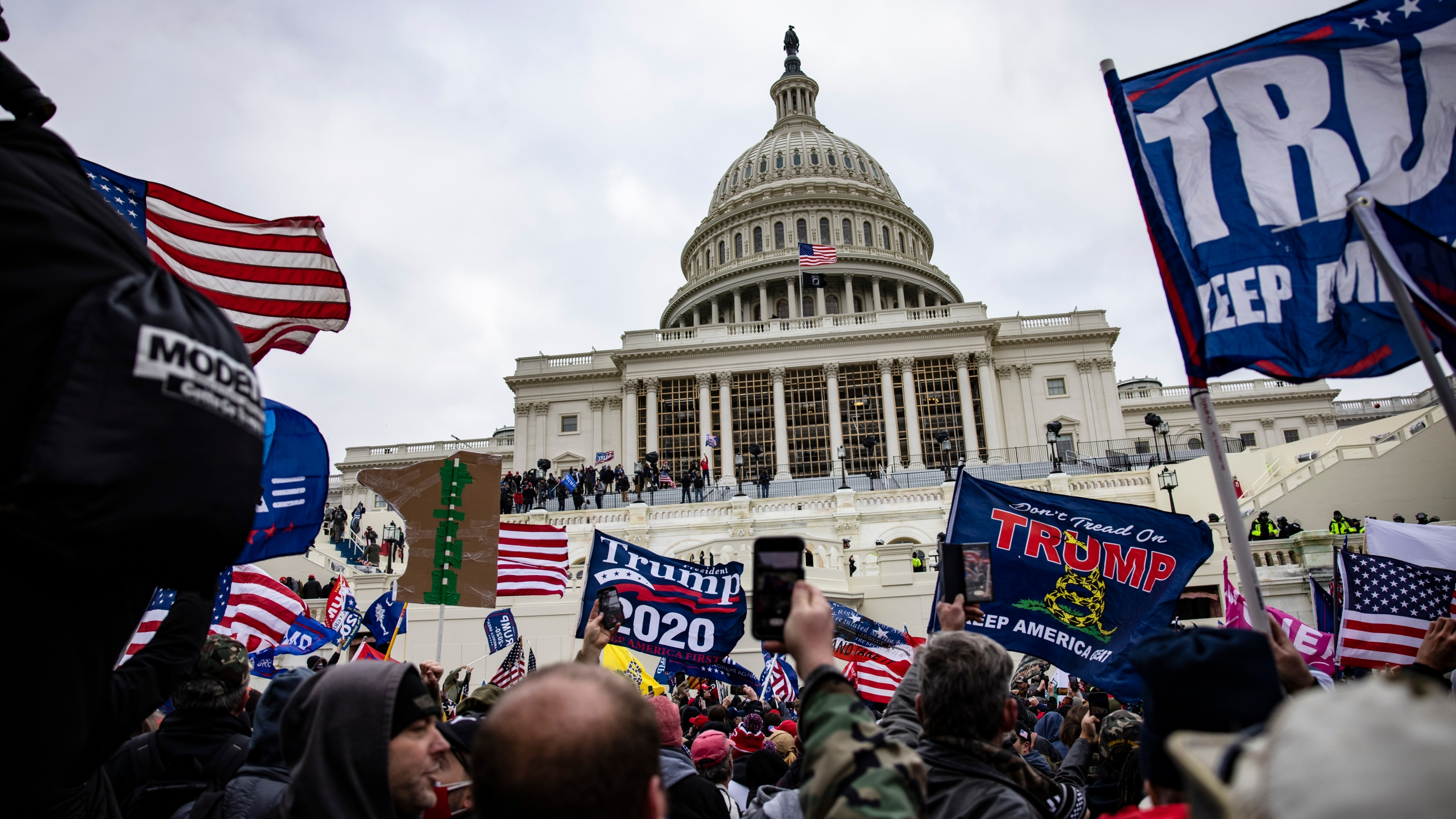 Pro-Trump supporters storm the U.S. Capitol following a rally with President Donald Trump on Jan. 6, 2021 in Washington, D.C. Trump supporters gathered in the nation's capital today to protest the ratification of President-elect Joe Biden's Electoral College victory over President Trump in the 2020 election. (Samuel Corum/Getty Images)