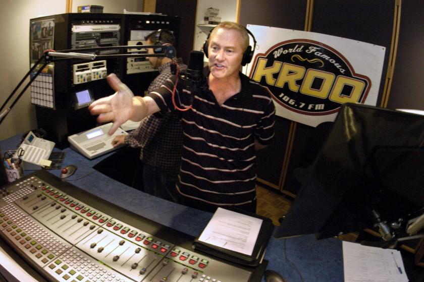 Ousted from KROQ, 'Kevin & Bean' host lands new gig at rival SoCal radio station KLOS - KTLA