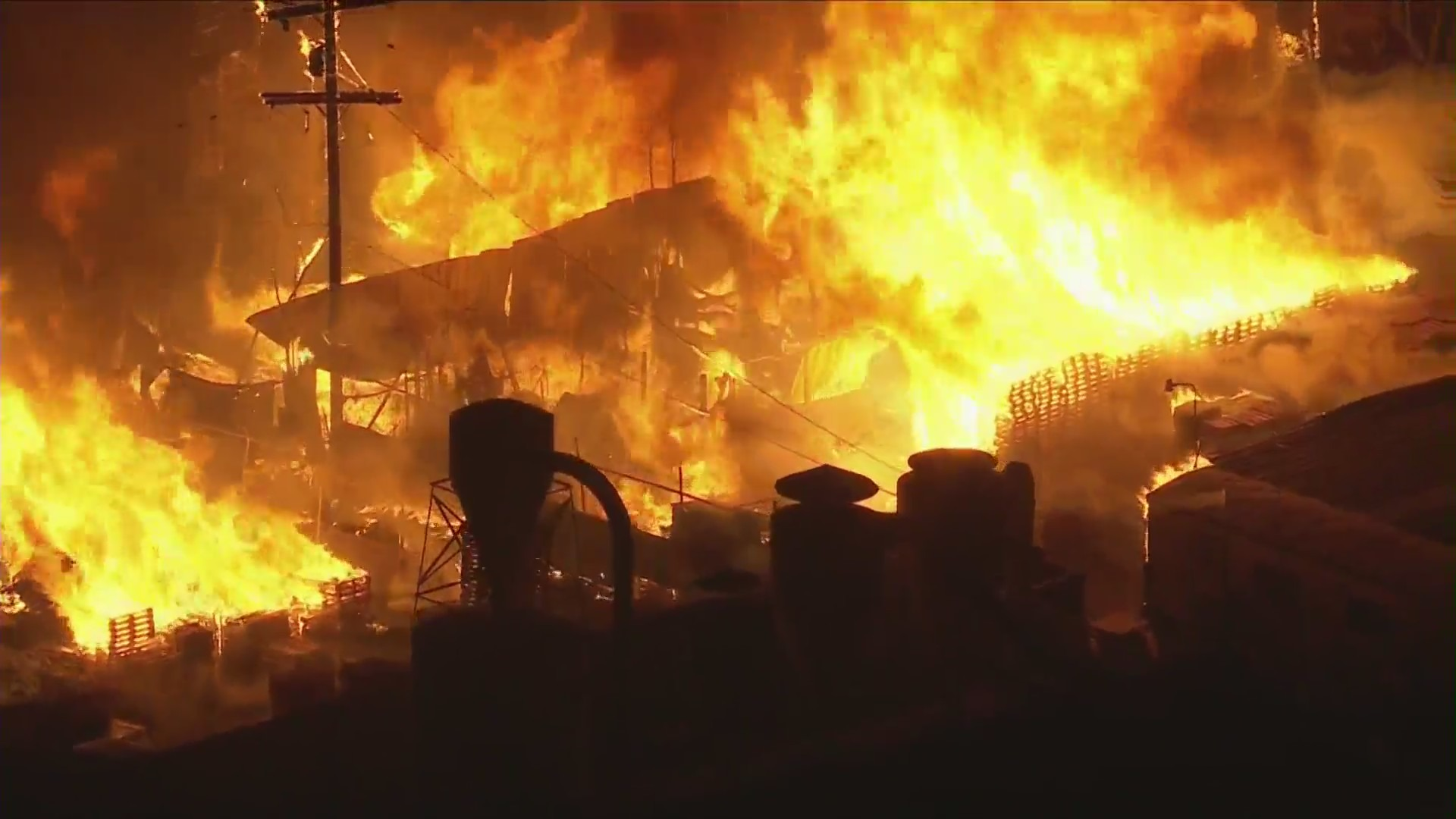 A fire erupted in Compton on Feb. 26, 2021. (KTLA)