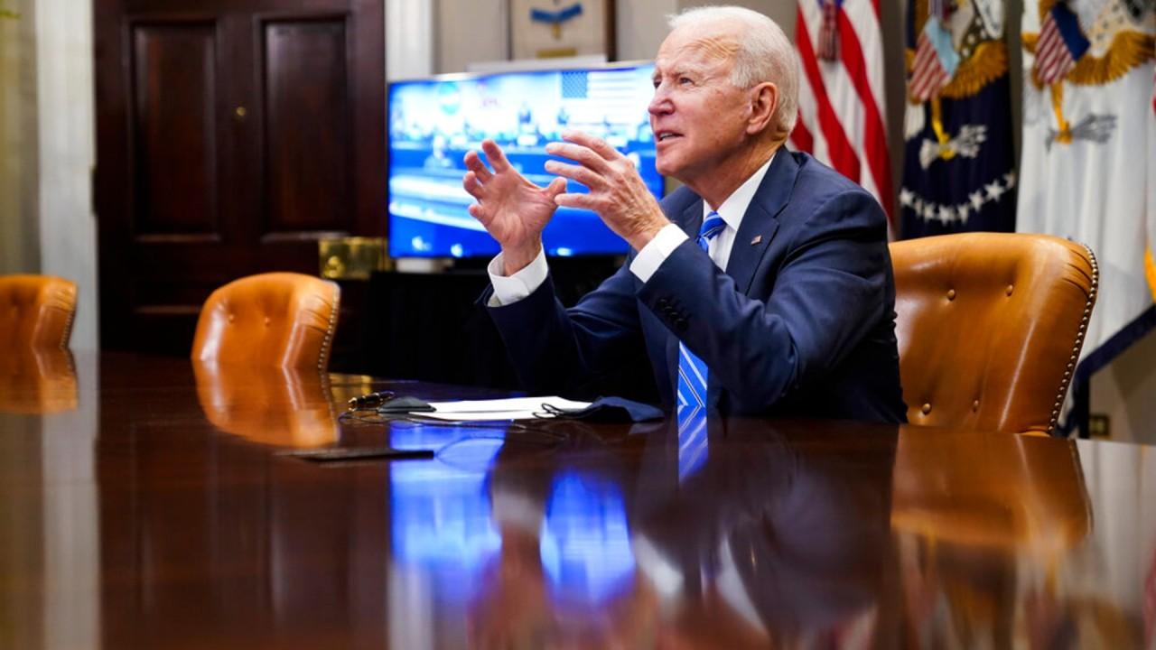 Americans largely approve of Biden's coronavirus response, poll shows